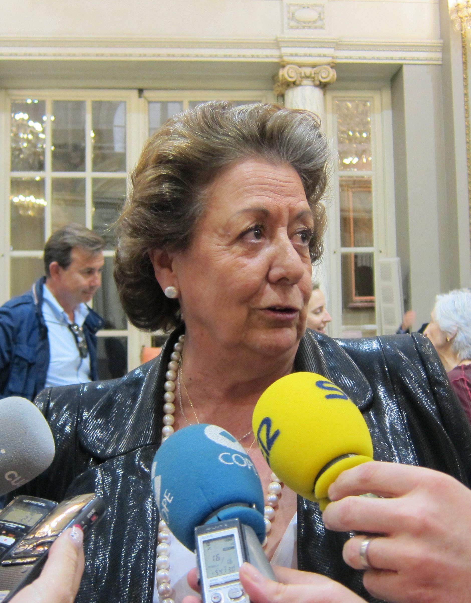 El juez pide a las Corts Valencianes que acrediten el aforamiento de Camps y Barberá ante su posible imputación