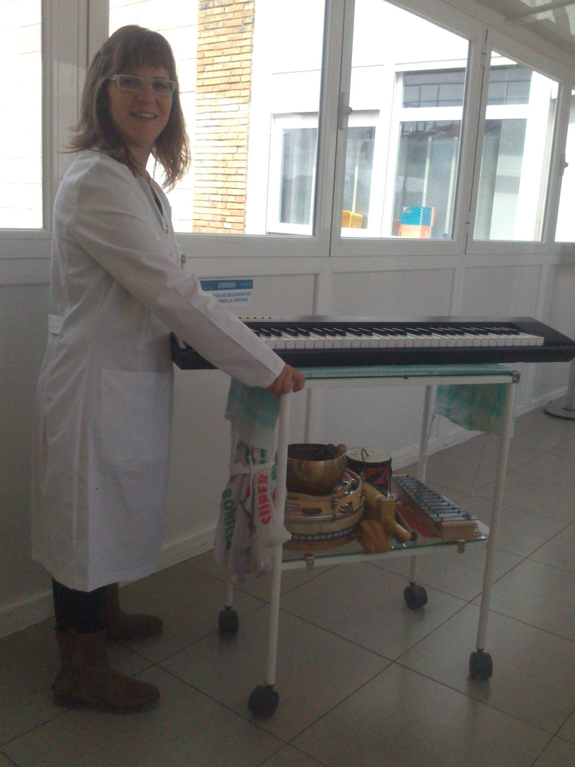 El Hospital de Toledo implanta sesiones de musicoterapia para niños pacientes oncológicos