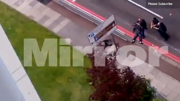 La Policía disparó hasta ocho veces contra los terroristas de Londres