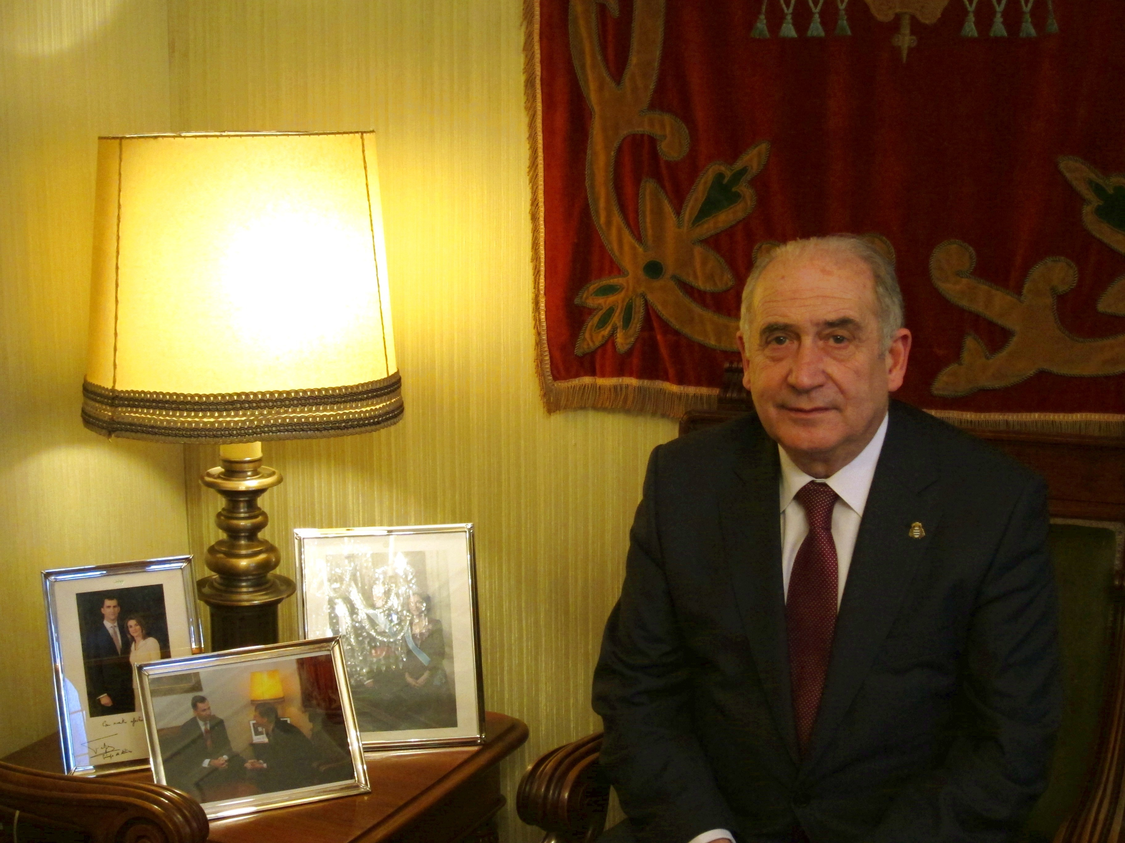 Vicente Gotor, premiado por la Real Academia de Ciencias por su trayectoria investigadora