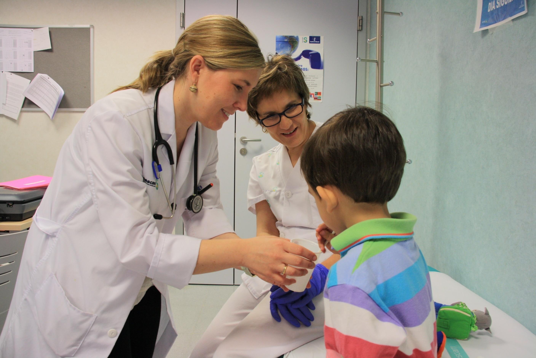 Los niños que faltan a los controles médicos recomendados son más propensos a ser hospitalizados