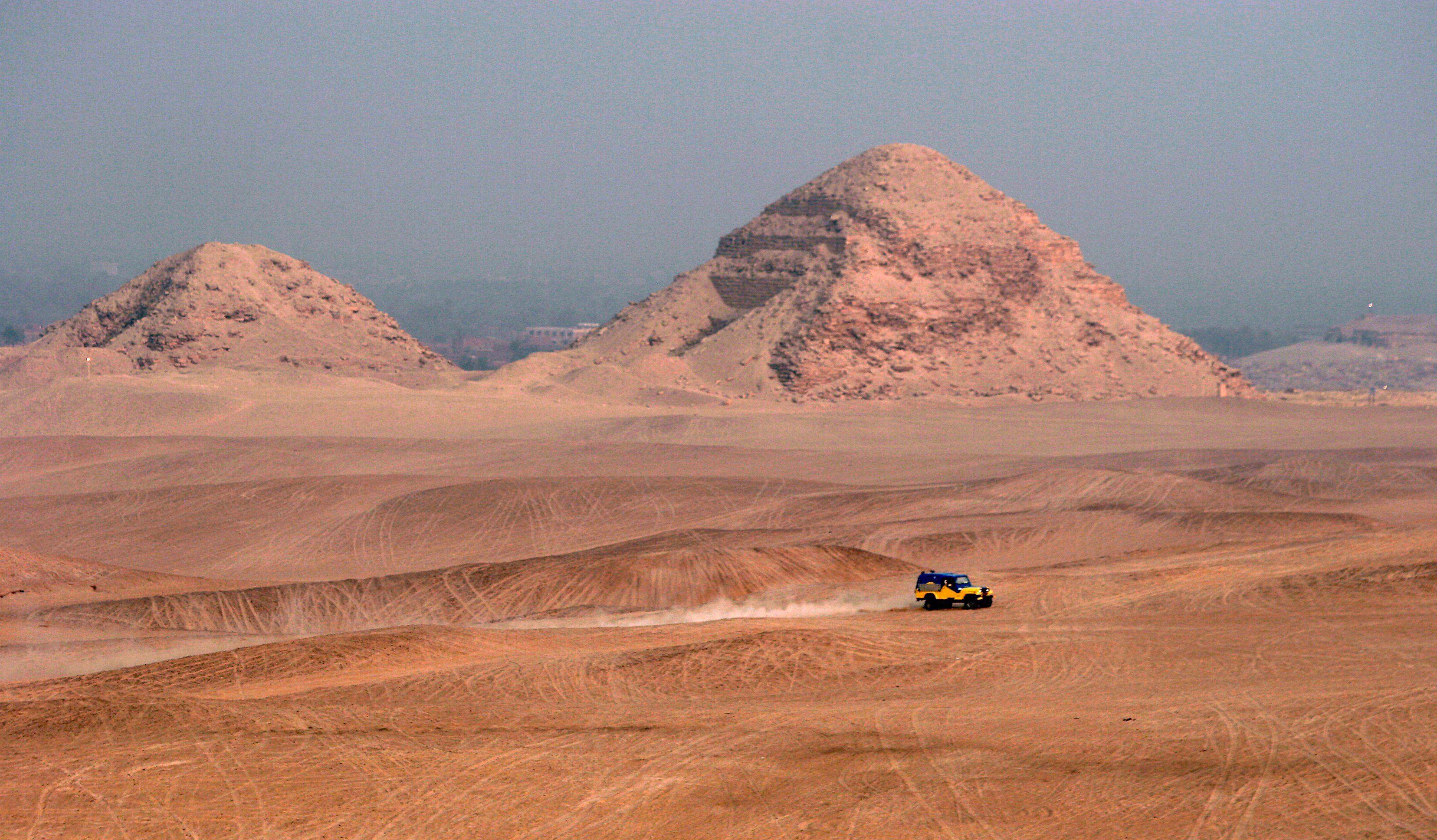 Las tumbas incómodas de las pirámides de Dahshur