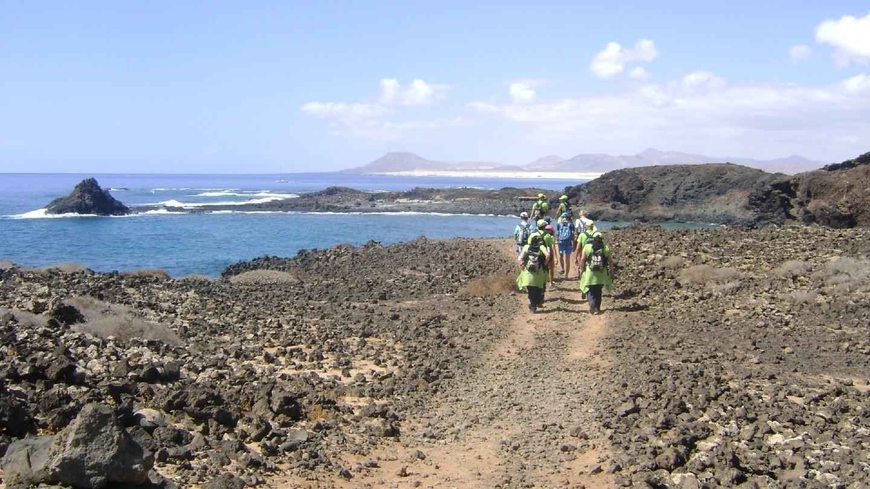 Alumnos de Tindaya descubren la Isla de Lobos con un taller de empleo