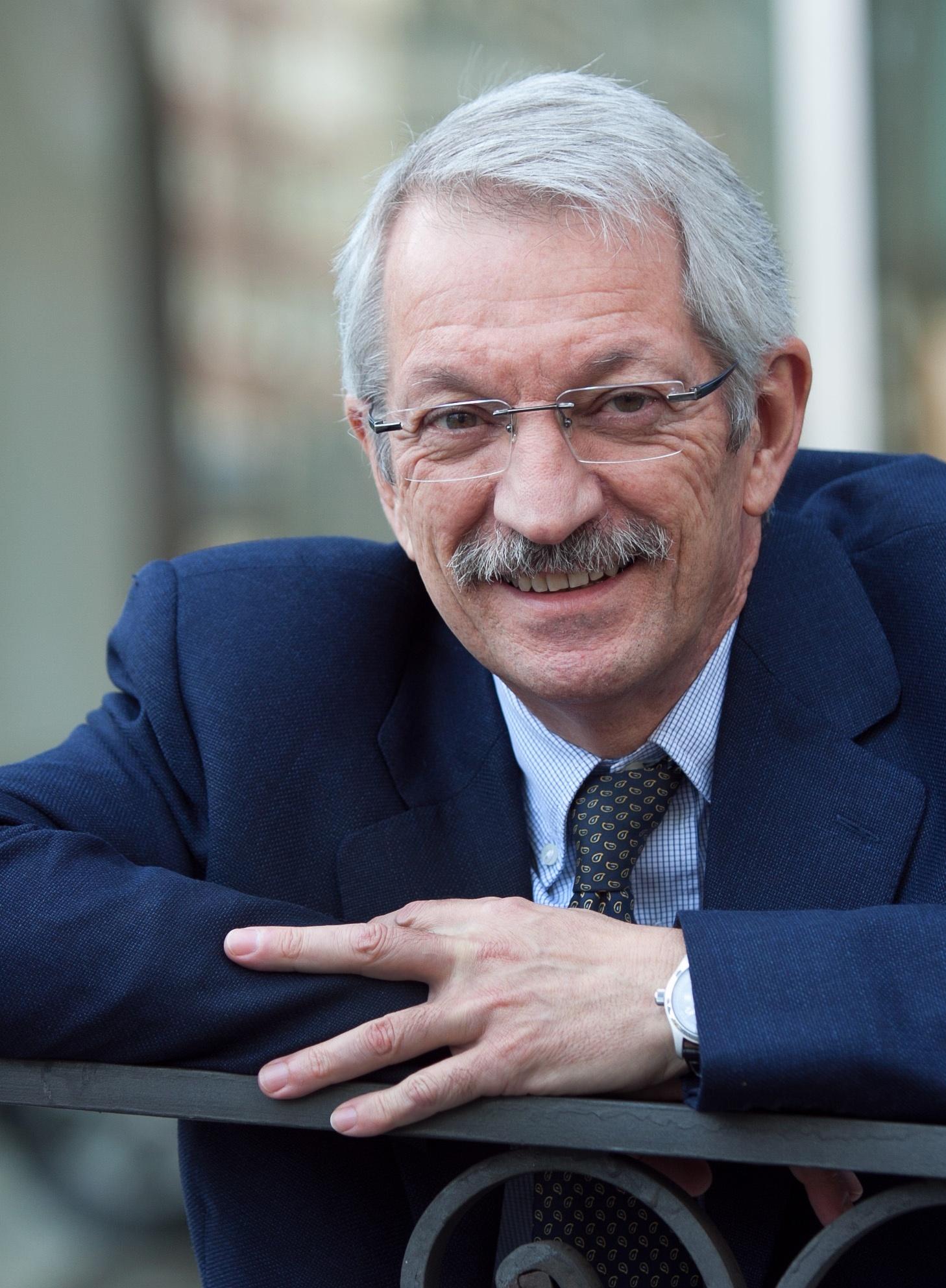 Alejandro Tiana destaca la importancia de los centros territoriales de la UNED en Asturias