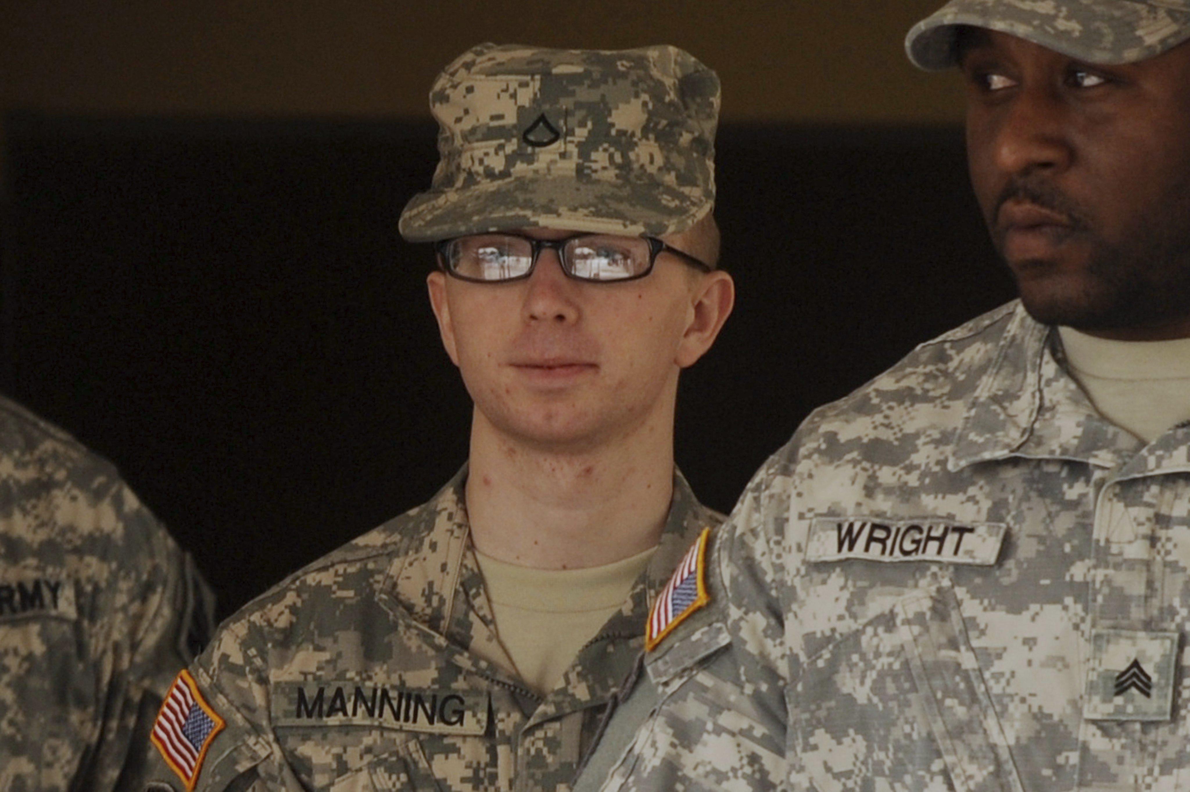 Bradley Manning, el informante de WikiLeaks, comparece ante la corte marcial
