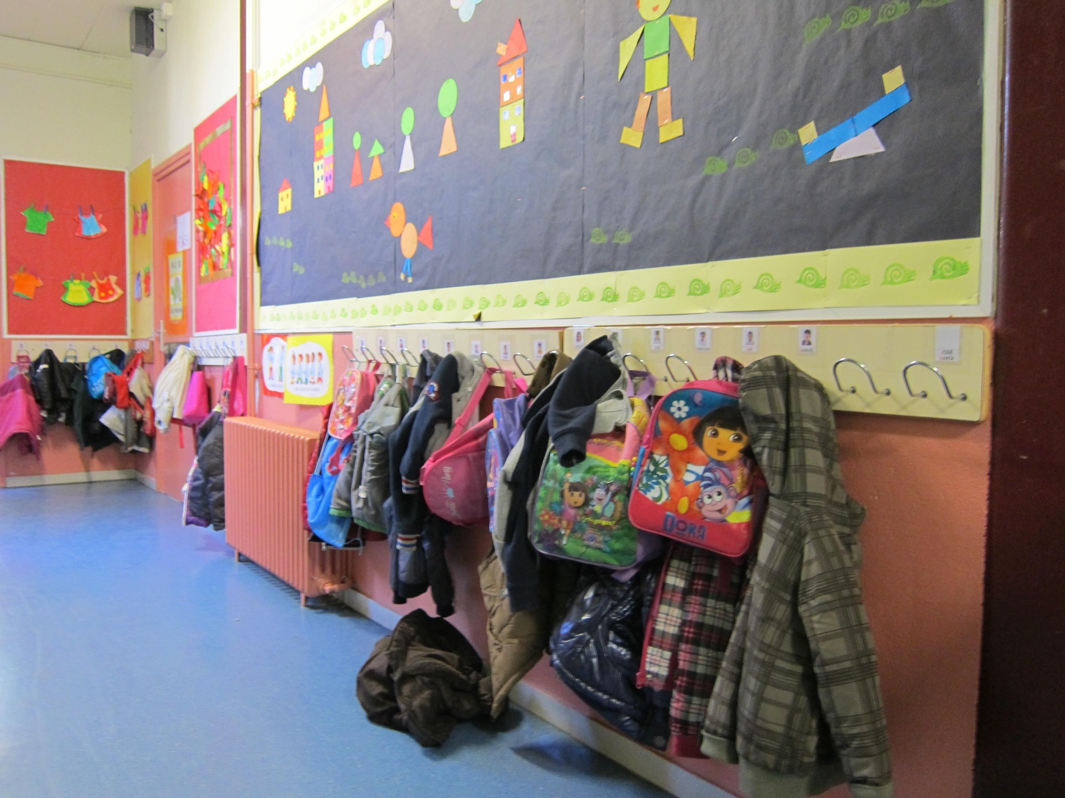 Andalucía repartirá desayunos y meriendas en colegios para 50.000 niños