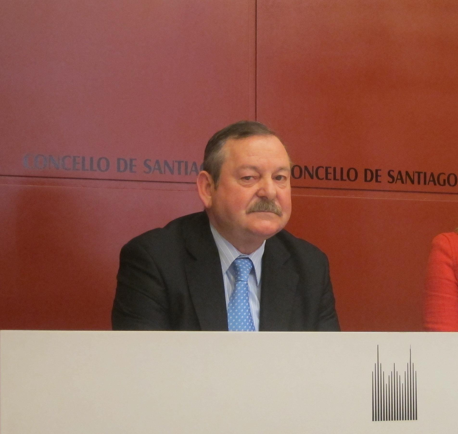 El concejal del PP de Santiago Juan de la Fuente declara este martes imputado por falsedad documental