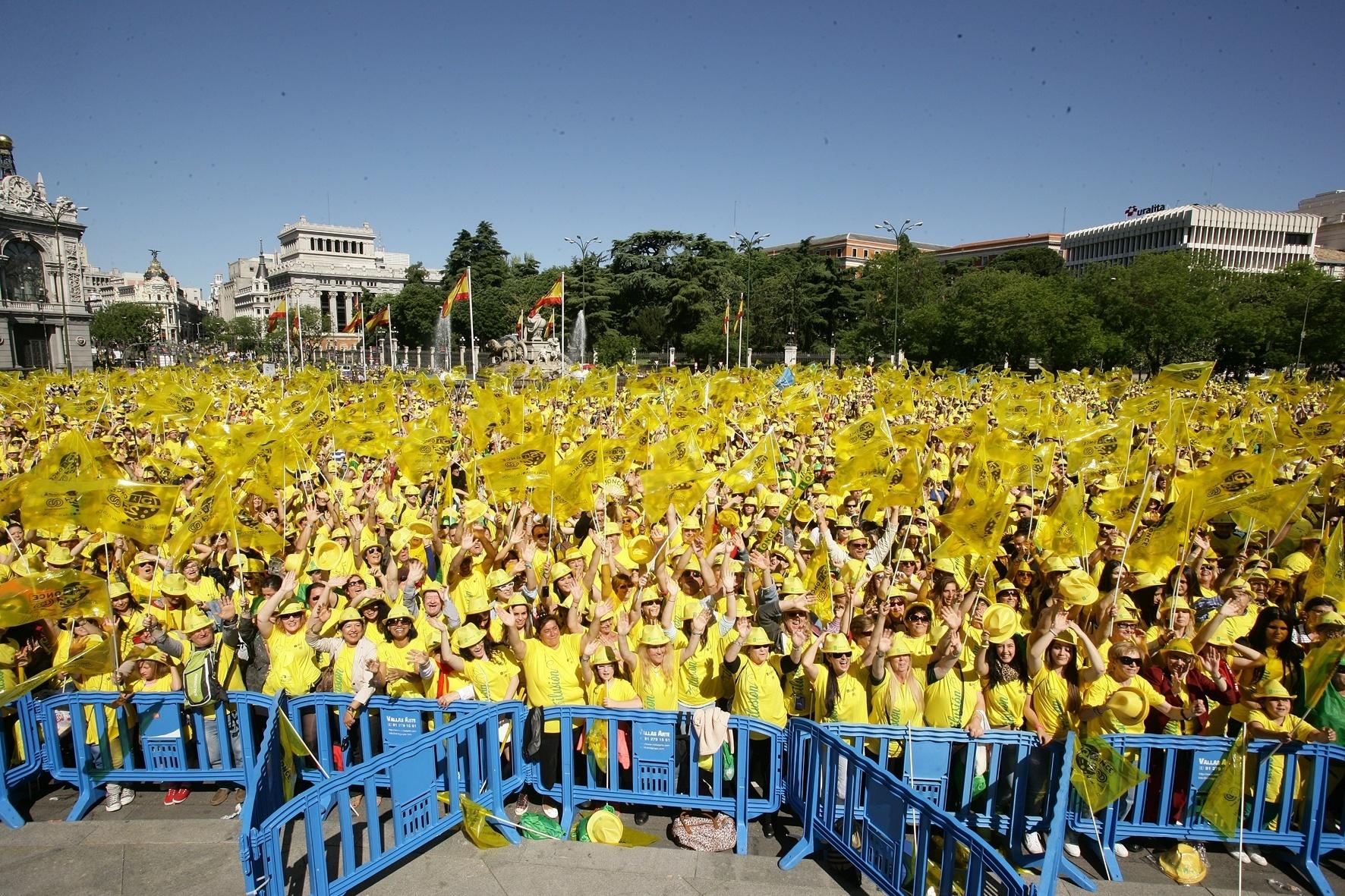 Unos 1.400 extremeños participan en Madrid en la »Fiesta de la ilusión» de la ONCE y su Fundación