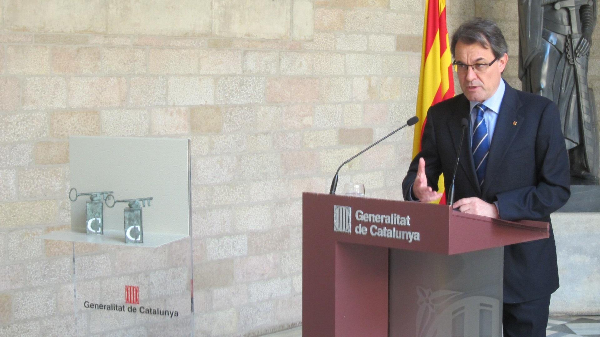 Mas responde a Rajoy que los países que viven mejor son los más pequeños
