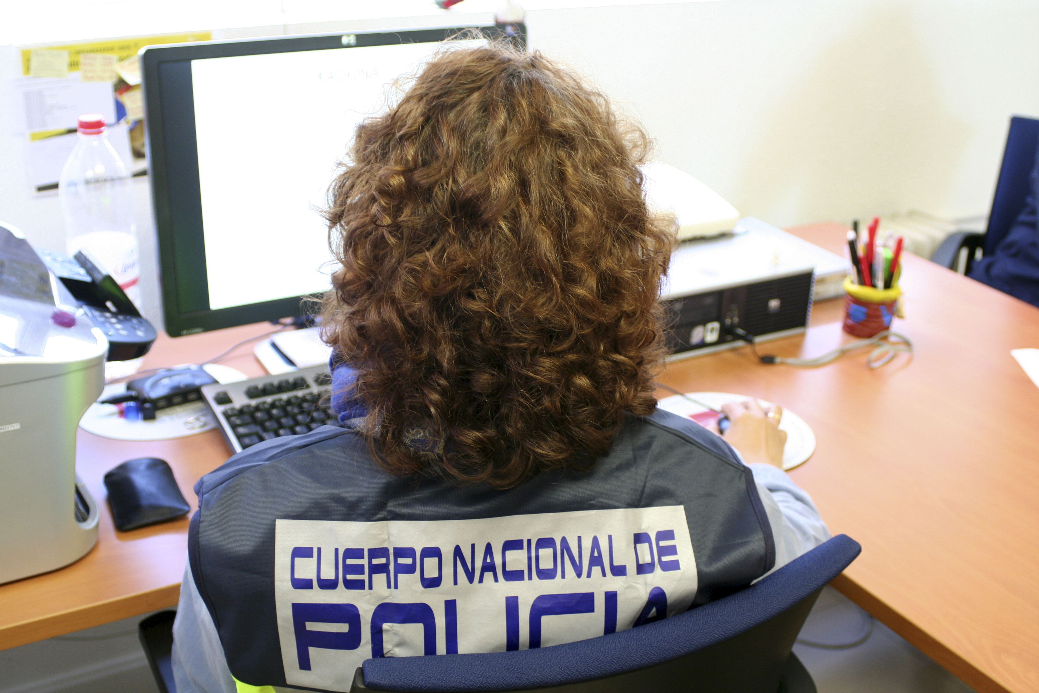 Alertan de un nuevo virus en correos falsos a nombre de la Policía Nacional