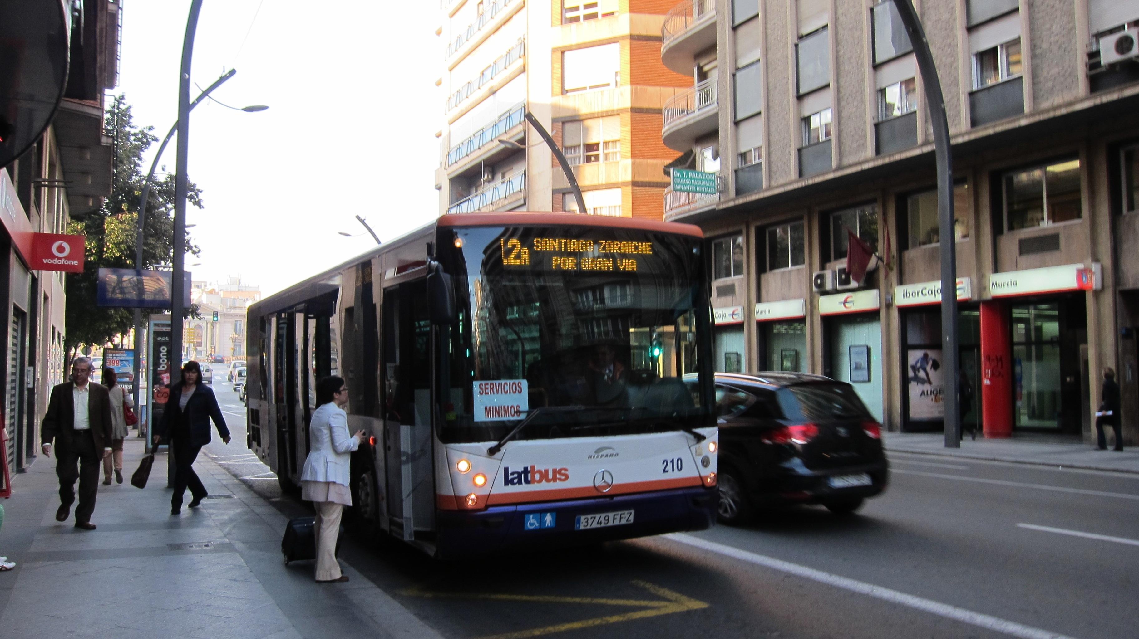 CCOO, UGT y USO convocan una huelga del transporte público de viajeros en la Región este viernes y el próximo lunes