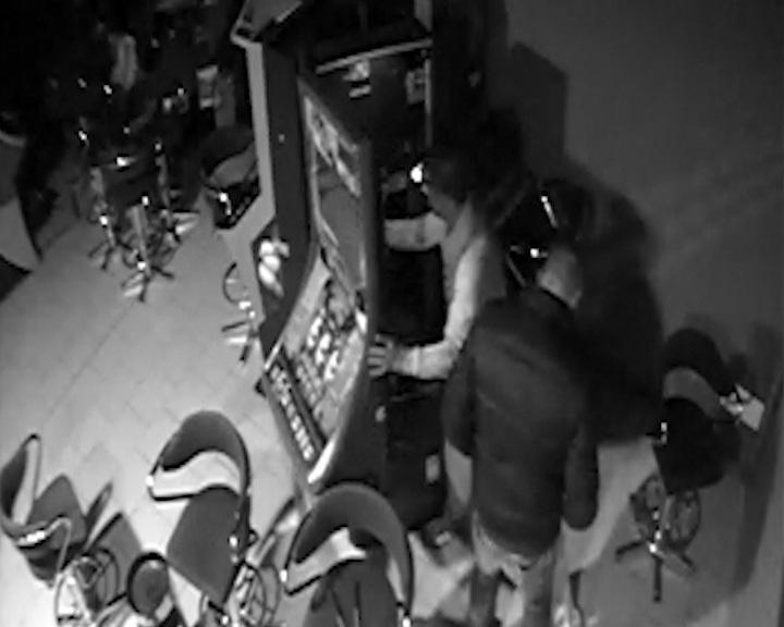 Cae una banda de butroneros que robaba en salones recreativos y bingos