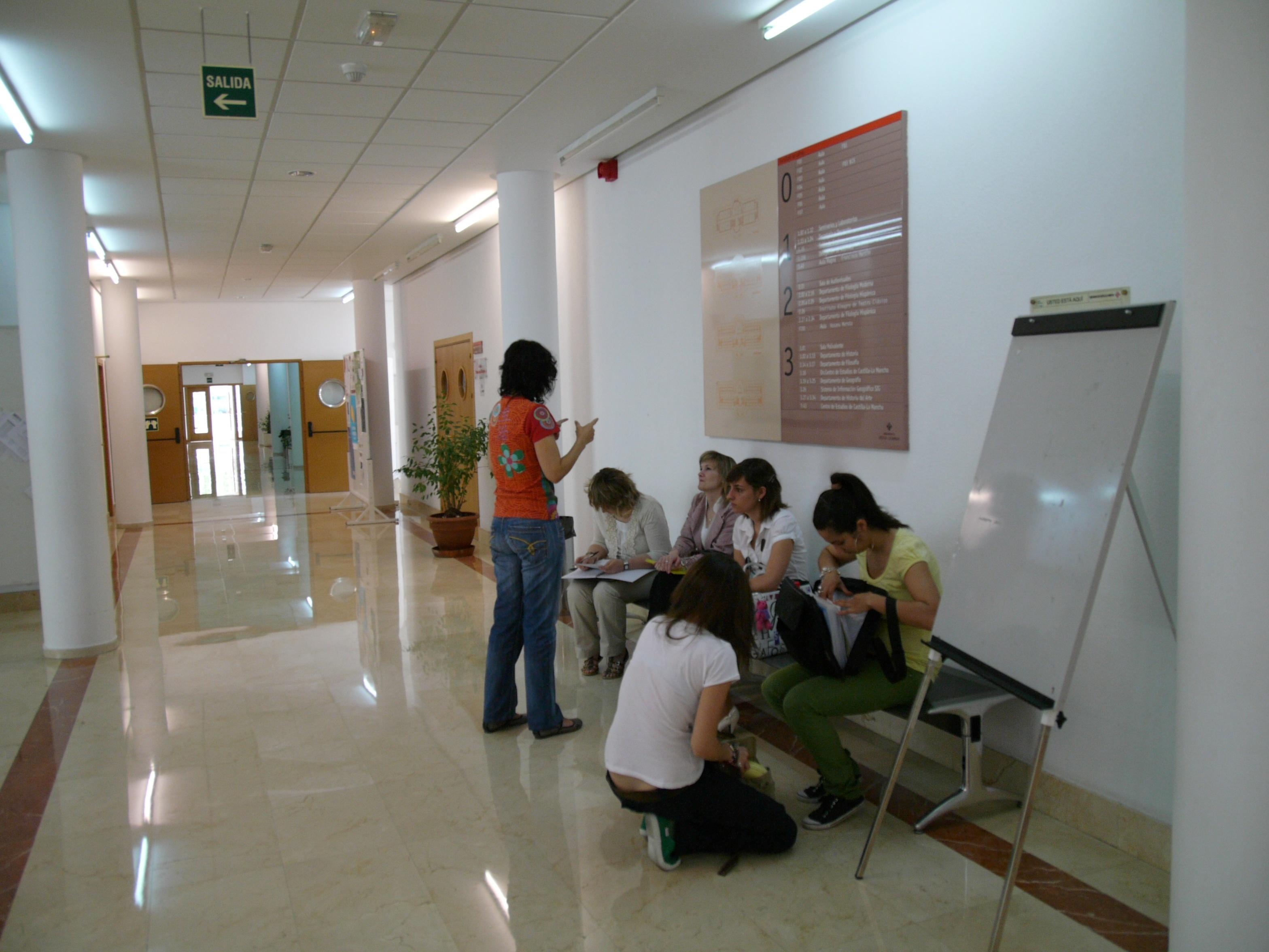 Catalunya activa un proyecto piloto de verificación de firmas de documentos universitarios