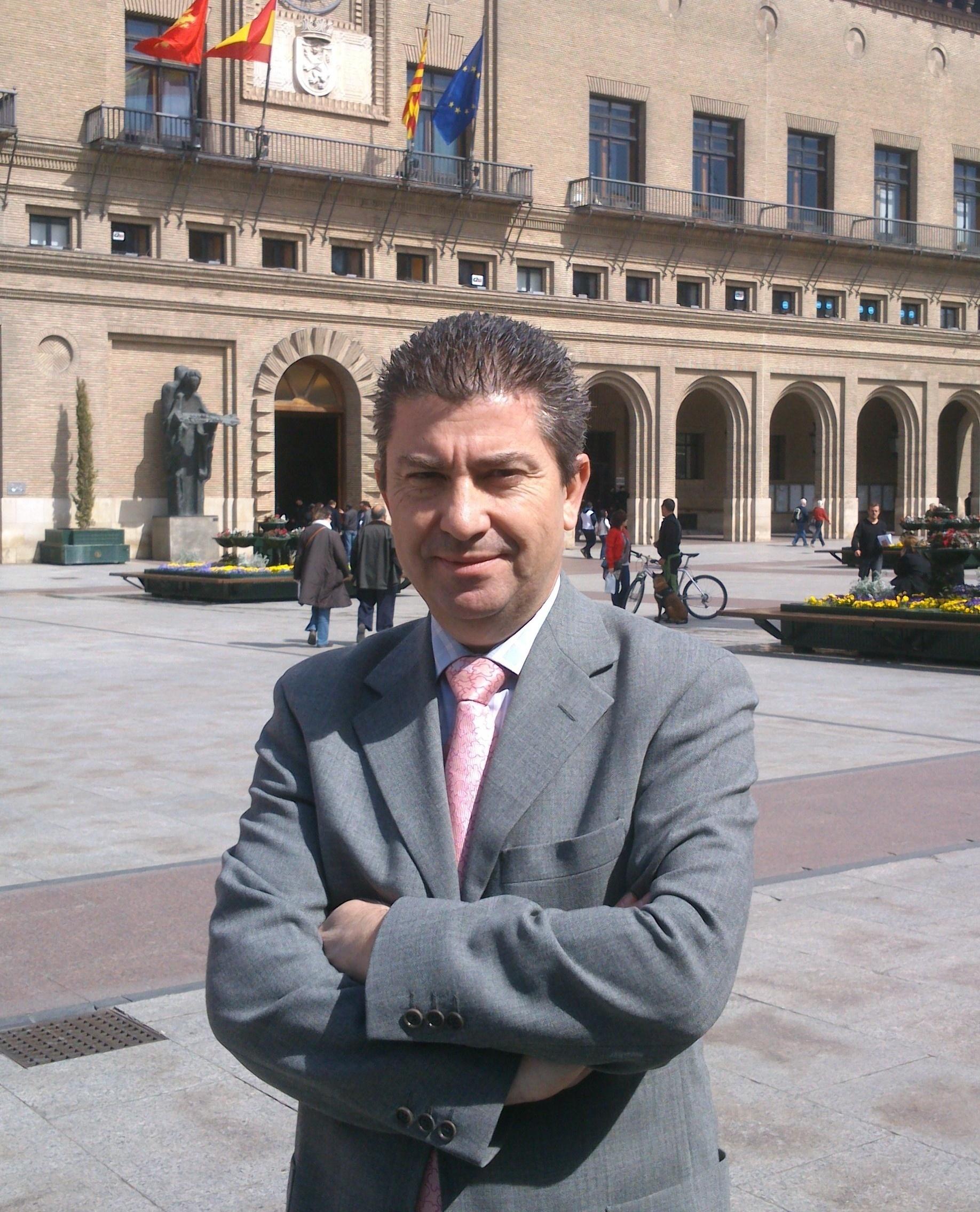 Javier Puy (UPyD) protagoniza un coloquio con vecinos del Actur sobre »Corrupción y transparencia»