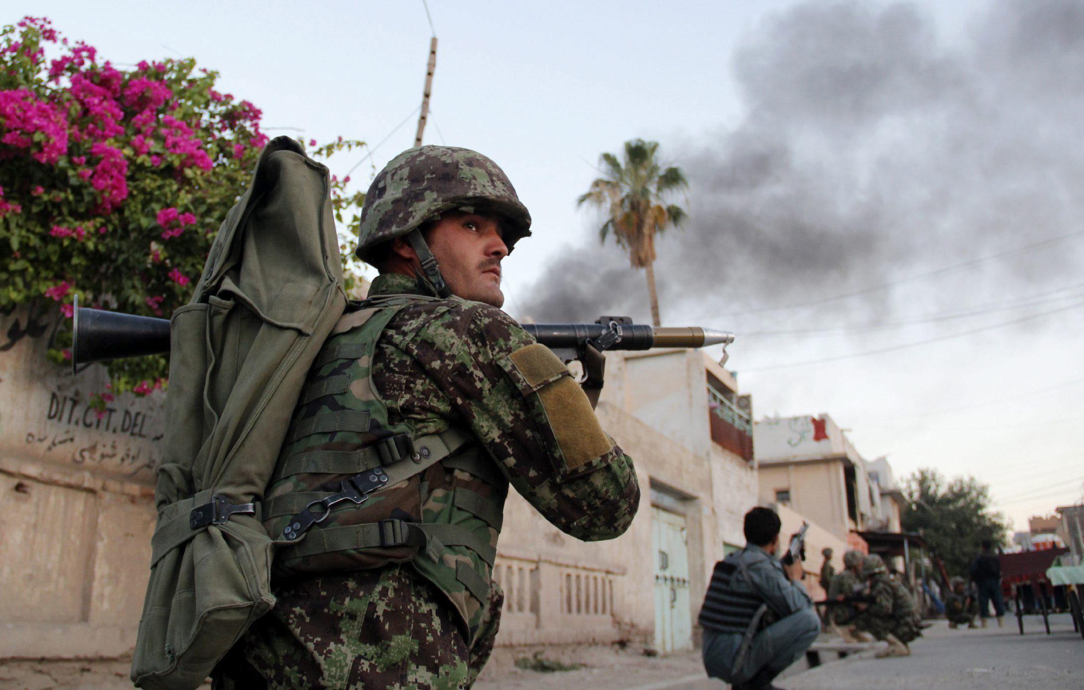 Mueren 10 niños y 2 soldados de la OTAN en un atentado en Afganistán