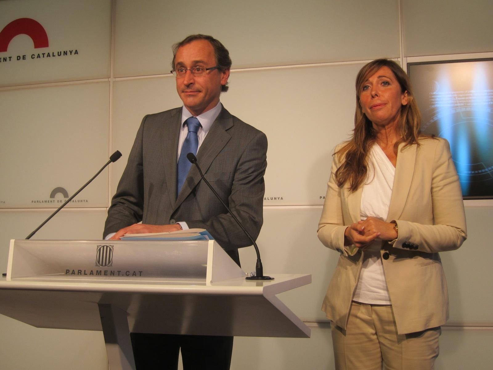 El PP catalán acepta ahora que la Generalitat costee la escolarización privada en castellano