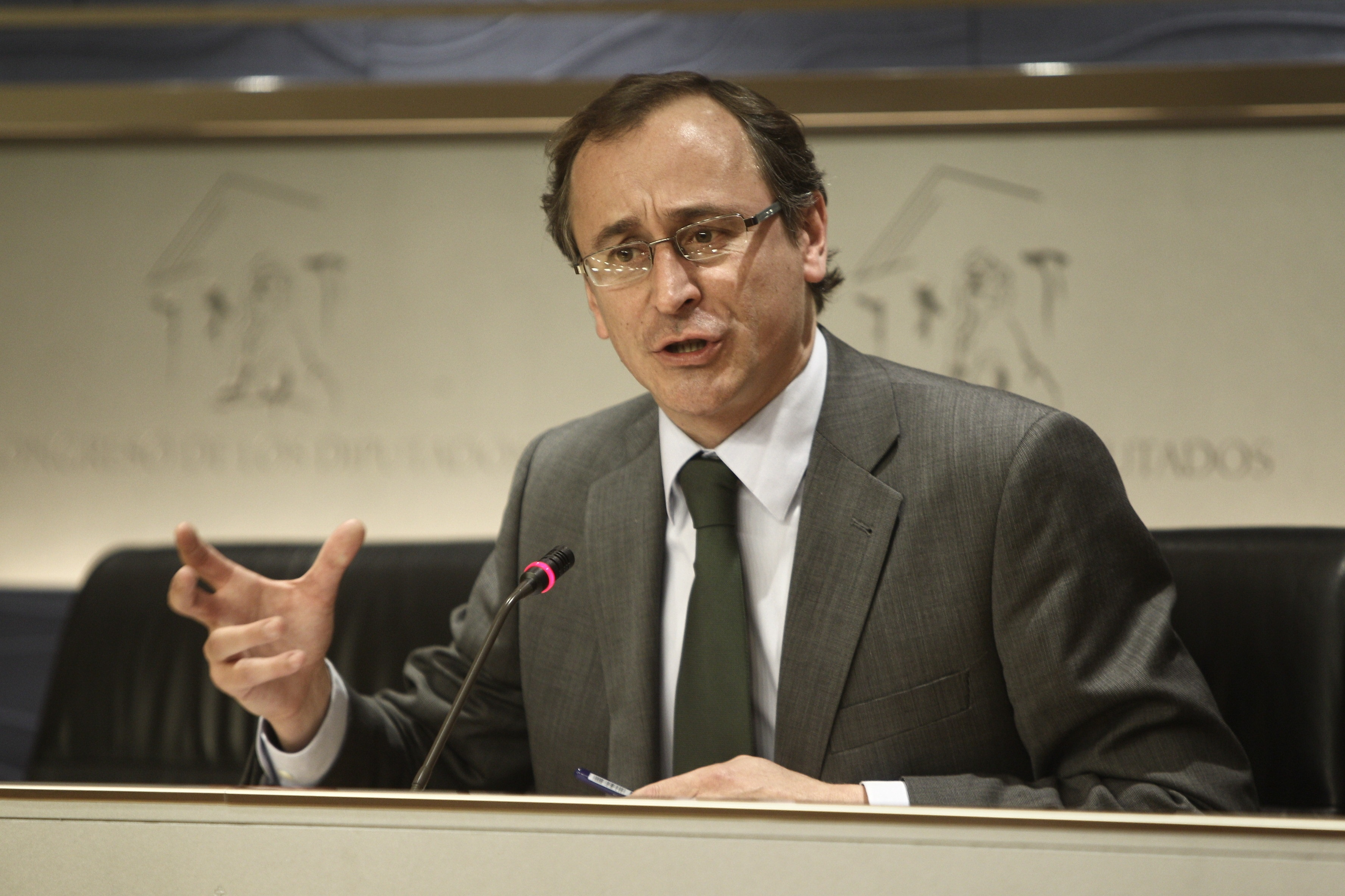 El PP insta a Rubalcaba a «pasar de las declaraciones a los textos» para un pacto