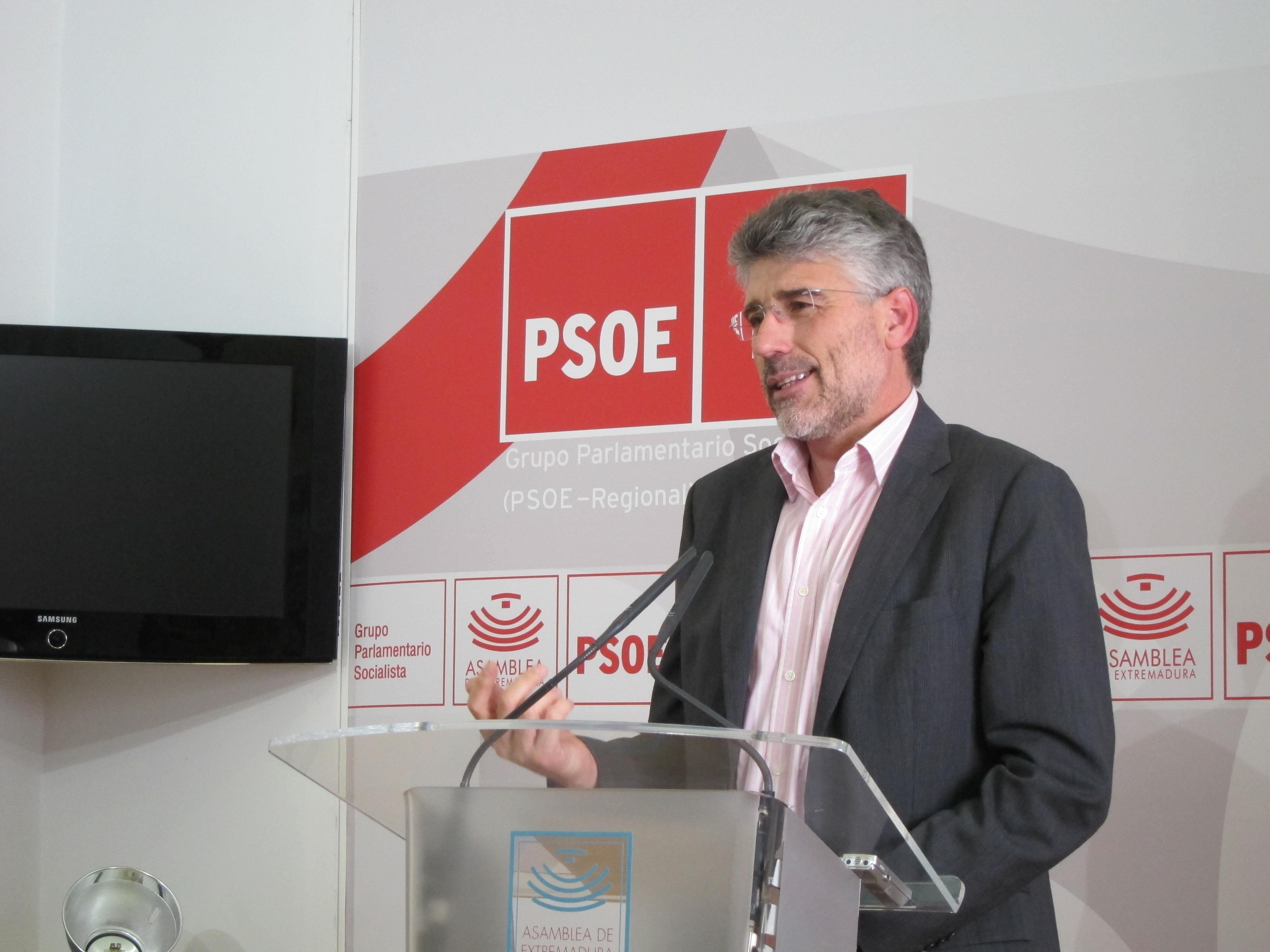 El PSOE recalca que Monago presenta el Día de Portugal un año después de cerrar la delegación extremeña en Lisboa