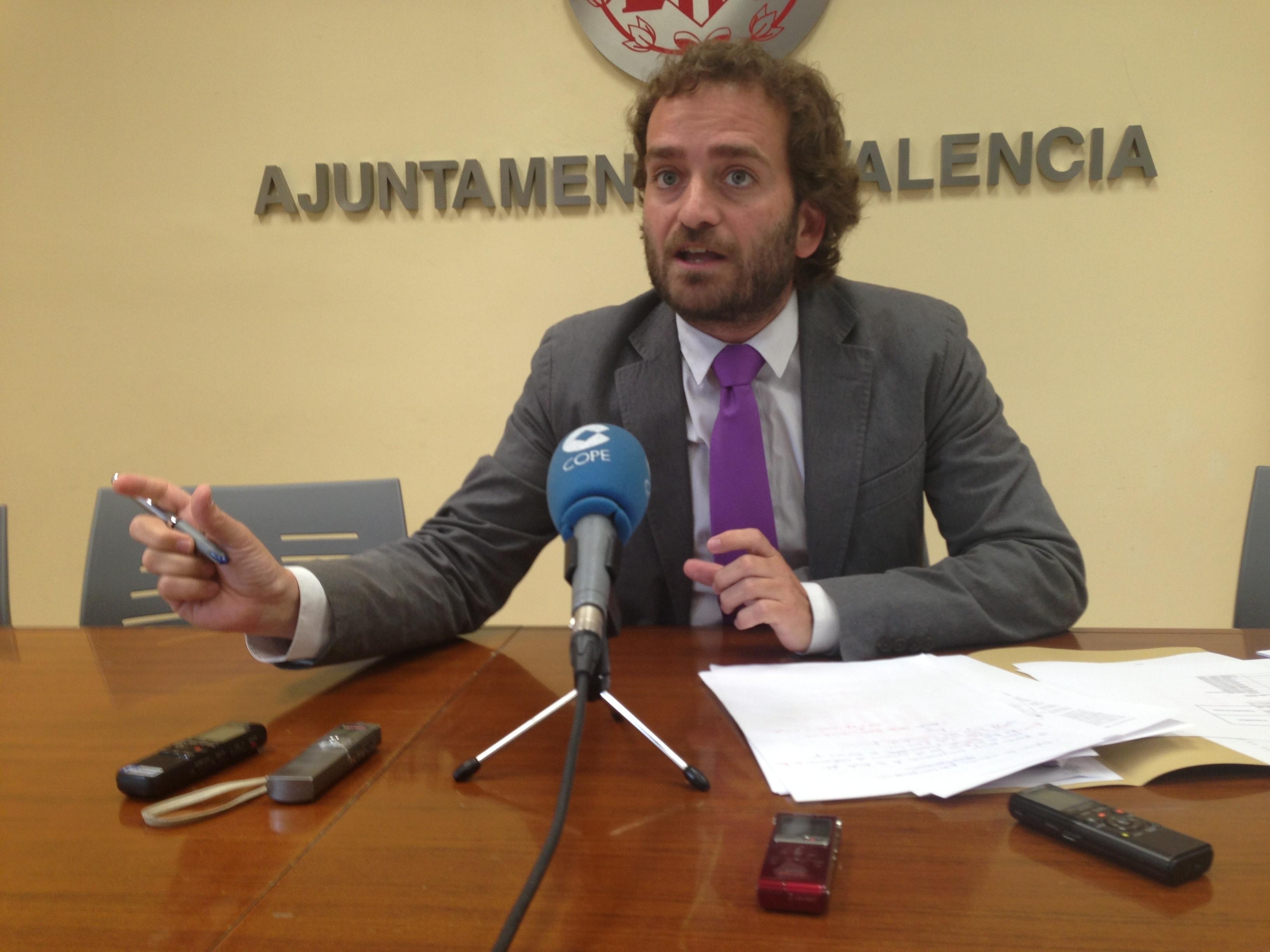 El PSPV lamenta que Barberá «ha esperado a que emigraran  25.740 jóvenes para presentar un plan de empleo»