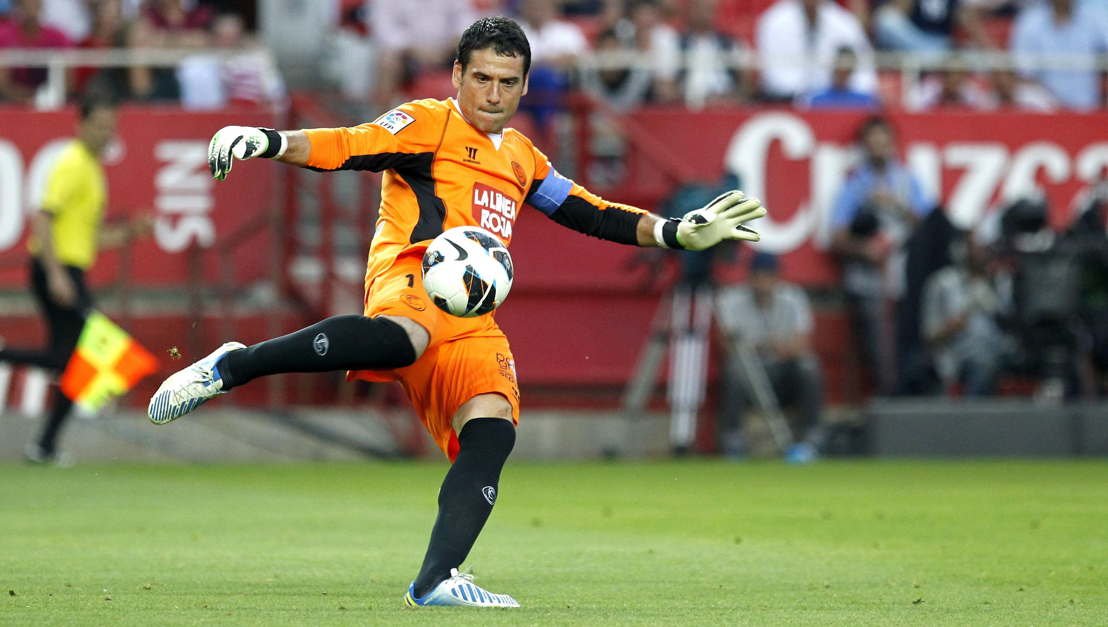 Palop se va «eternamente agradecido» y anuncia su fichaje por el Leverkusen