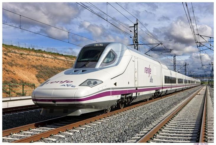 Renfe licita el contrato de servicios a bordo de trenes AVE para cuatro años por 407 millones