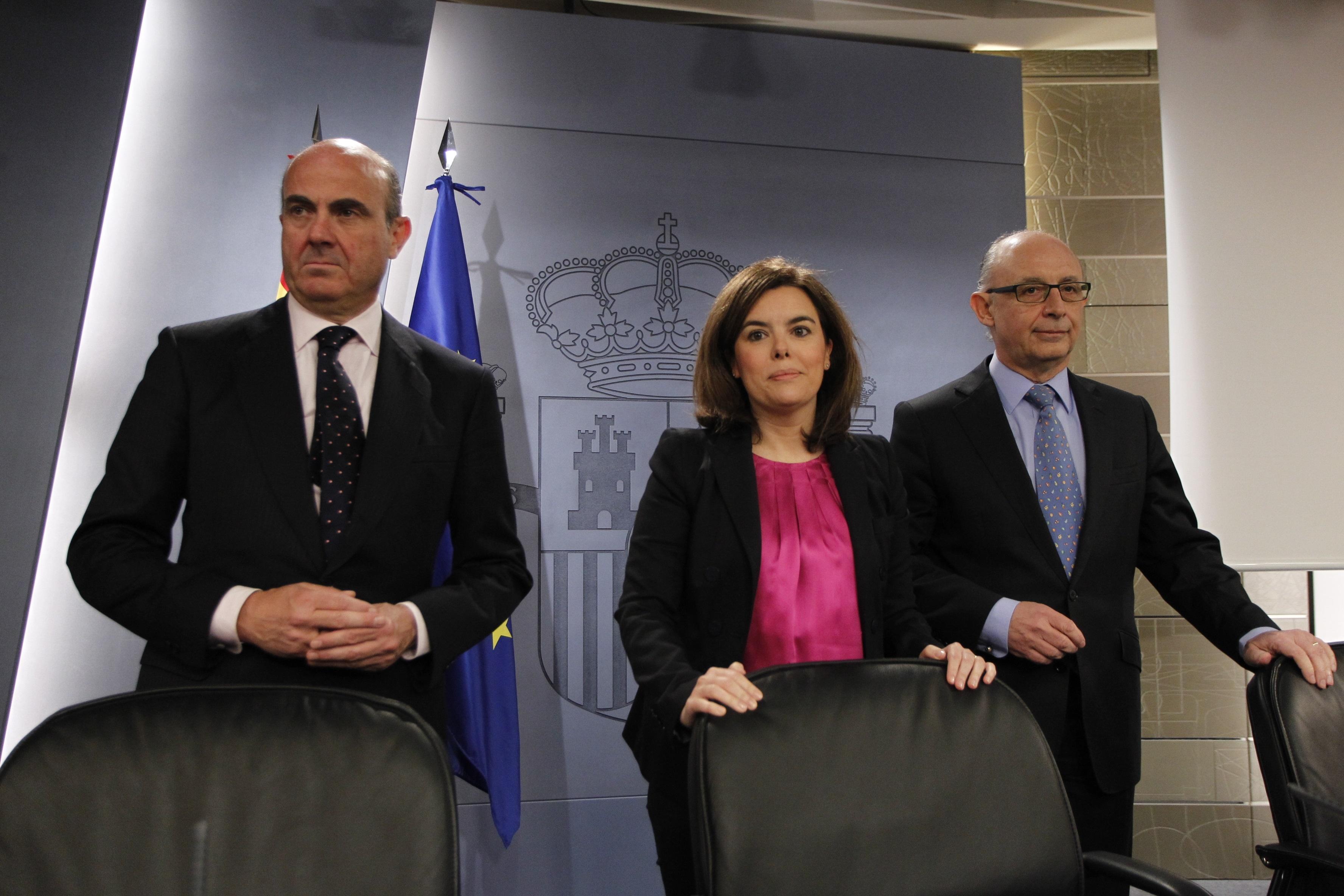Rosa Díez pregunta al Gobierno si su concepto de «transparencia» es usar un decreto para promover a la vicepresidenta