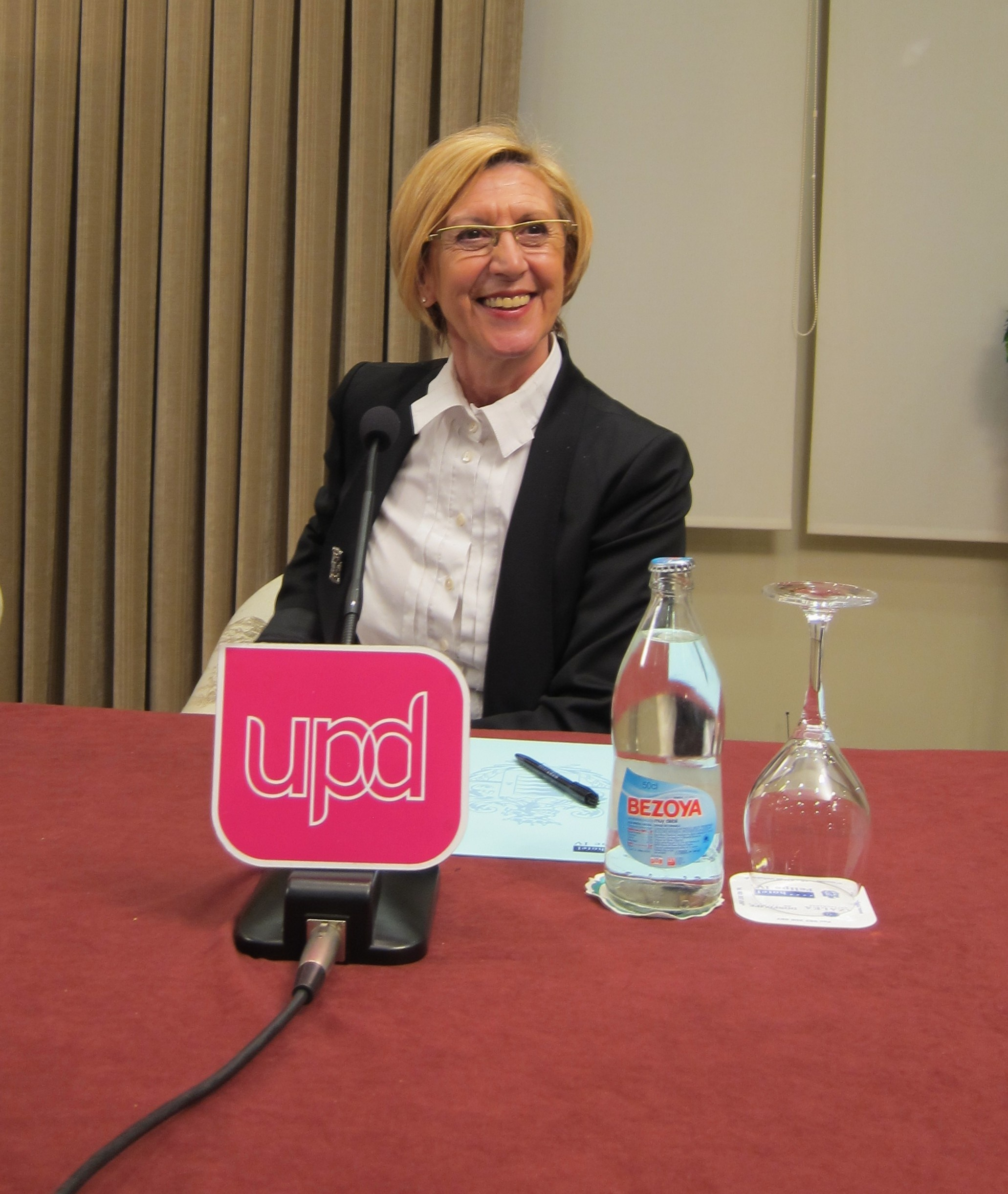 Rosa Díez duda de los resultados del «furor pactista» de PSOE y PP, que sólo buscan «salvar el bipartidismo»