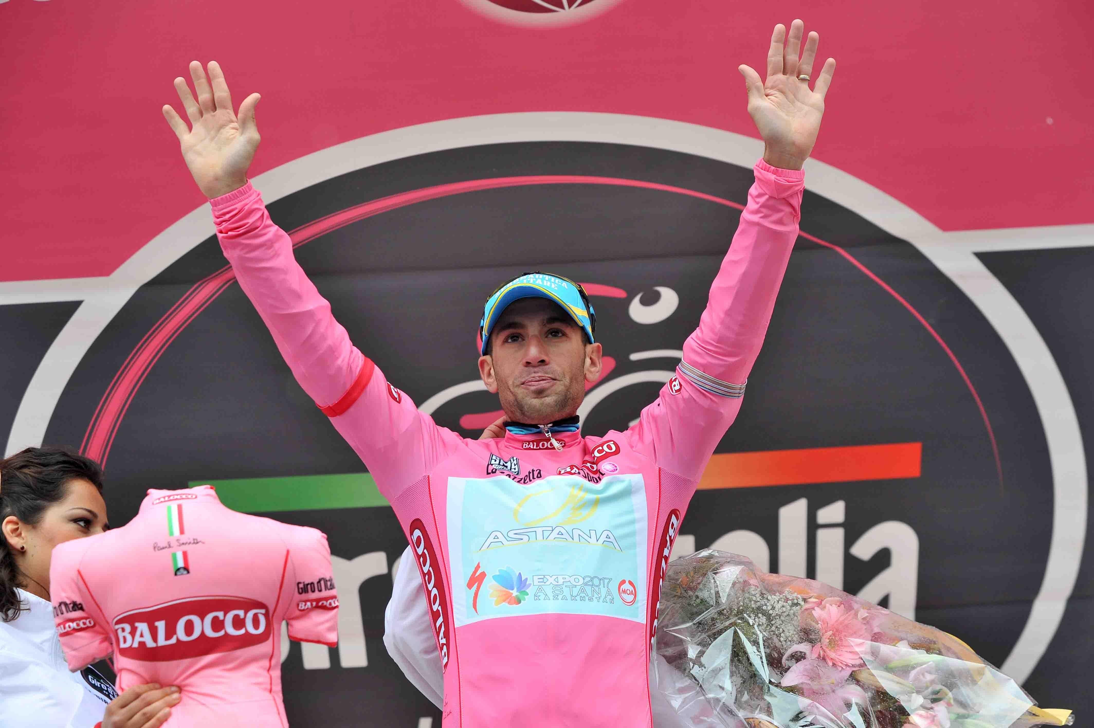La UCI suspende provisionalmente a Santambrogio por un posible positivo por EPO en el Giro