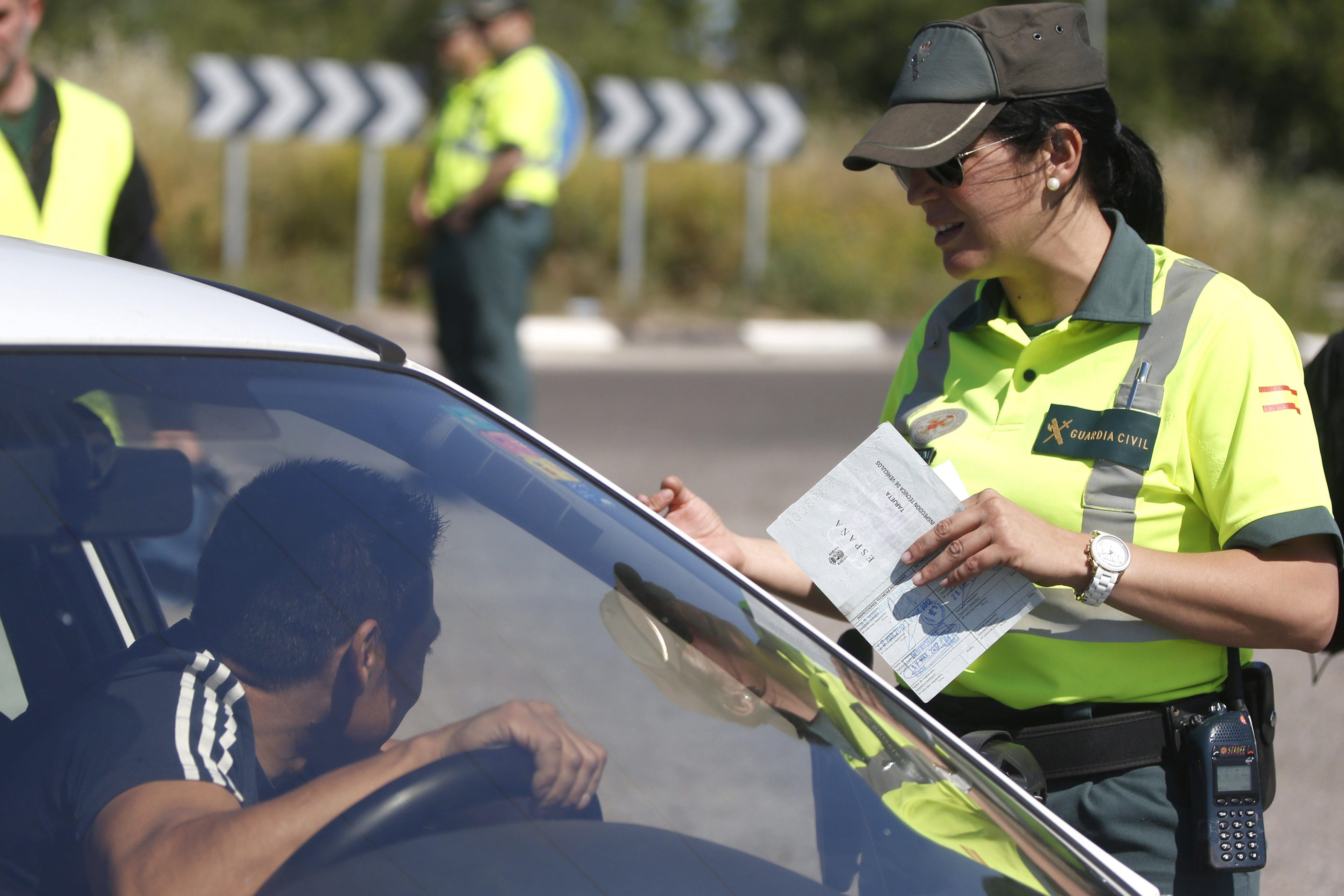 Usar el móvil cuando se conduce multiplica por cuatro el riesgo de accidente