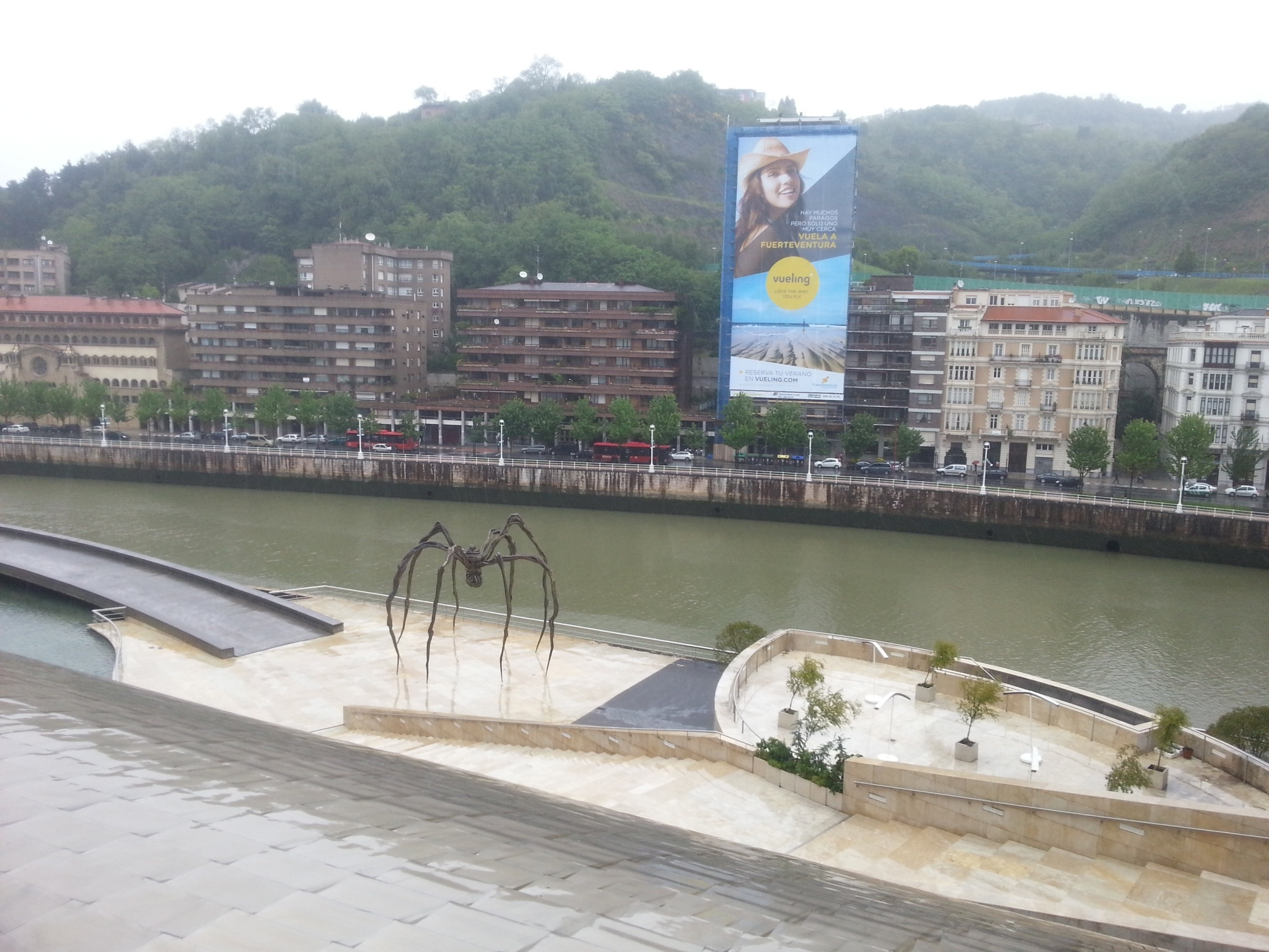 Vueling promociona en Bilbao sus vuelos directos a Fuerteventura entre junio y septiembre