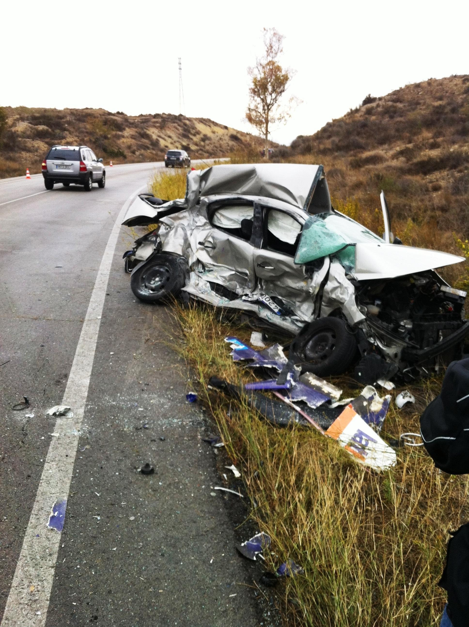 Un muerto y 17 heridos, seis graves, en los 12 accidentes de tráfico ocurridos durante el fin de semana