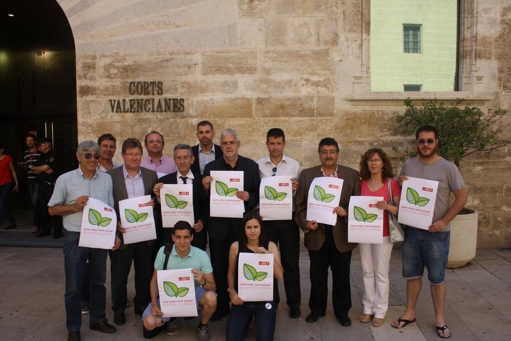 Alcaldes y portavoces del PSPV La Ribera vuelven a pedir una reunión a Fabra para abordar el problema del agua