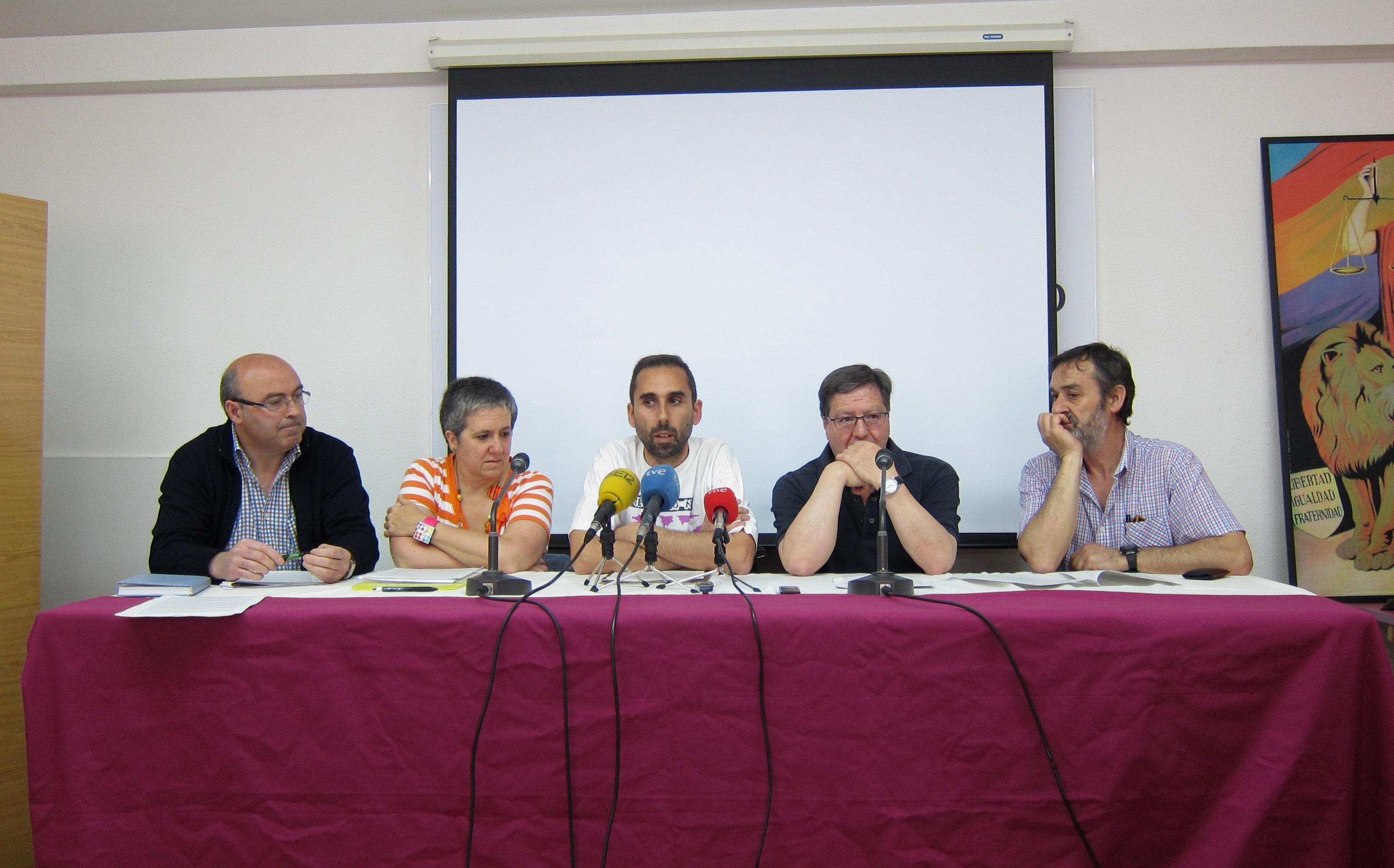 Ecologistas, IU, Facua y vecinos piden el cierre del vertedero de Santovenia (Valladolid) y el cese de Clemente