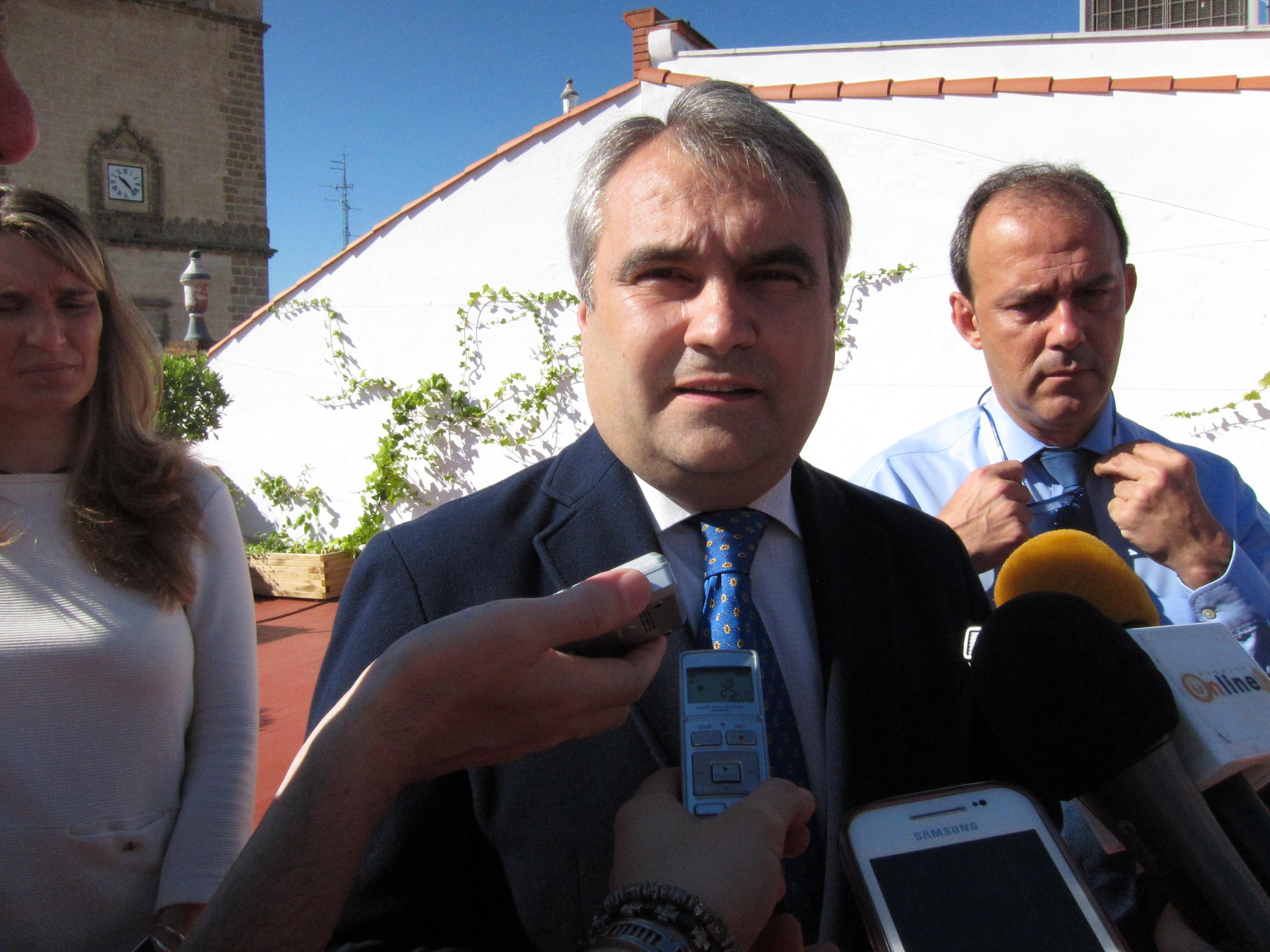 Fragoso dice que la declaración de la Plataforma Logística como zona franca favorecerá la llegada de empresas
