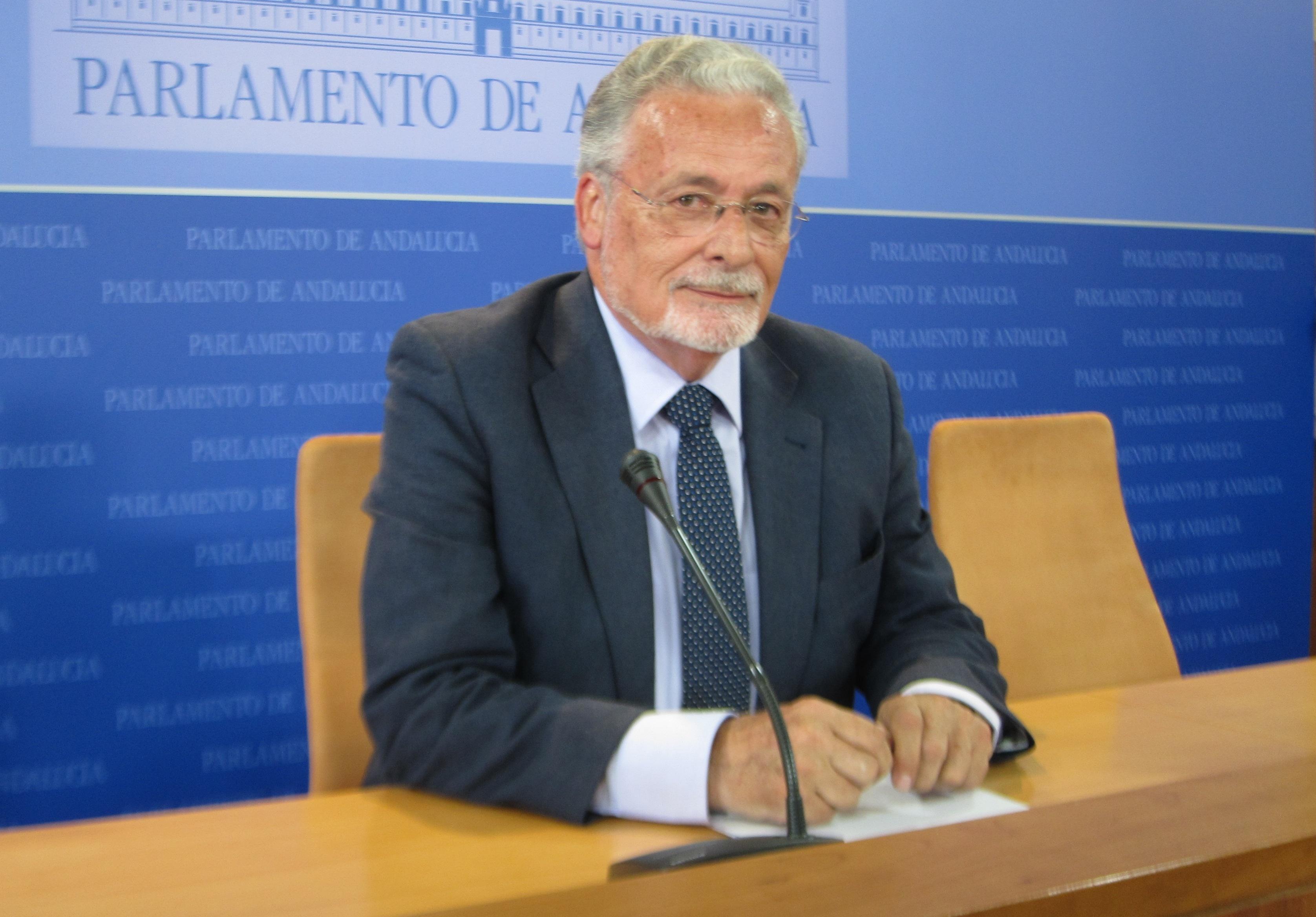 Maeztu, convencido de que actuará «con imparcialidad», cree que «empieza bien» tras el respaldo «unánime» del Parlamento