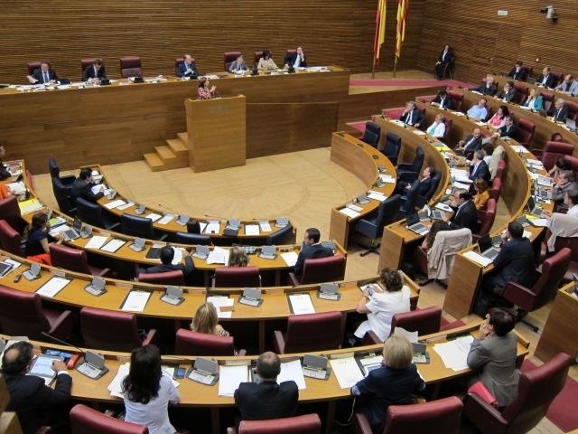 PP aprueba en las Corts el convenio de reciprocidad de emisiones entre Canal 9 y TV3 con la abstención de la oposición