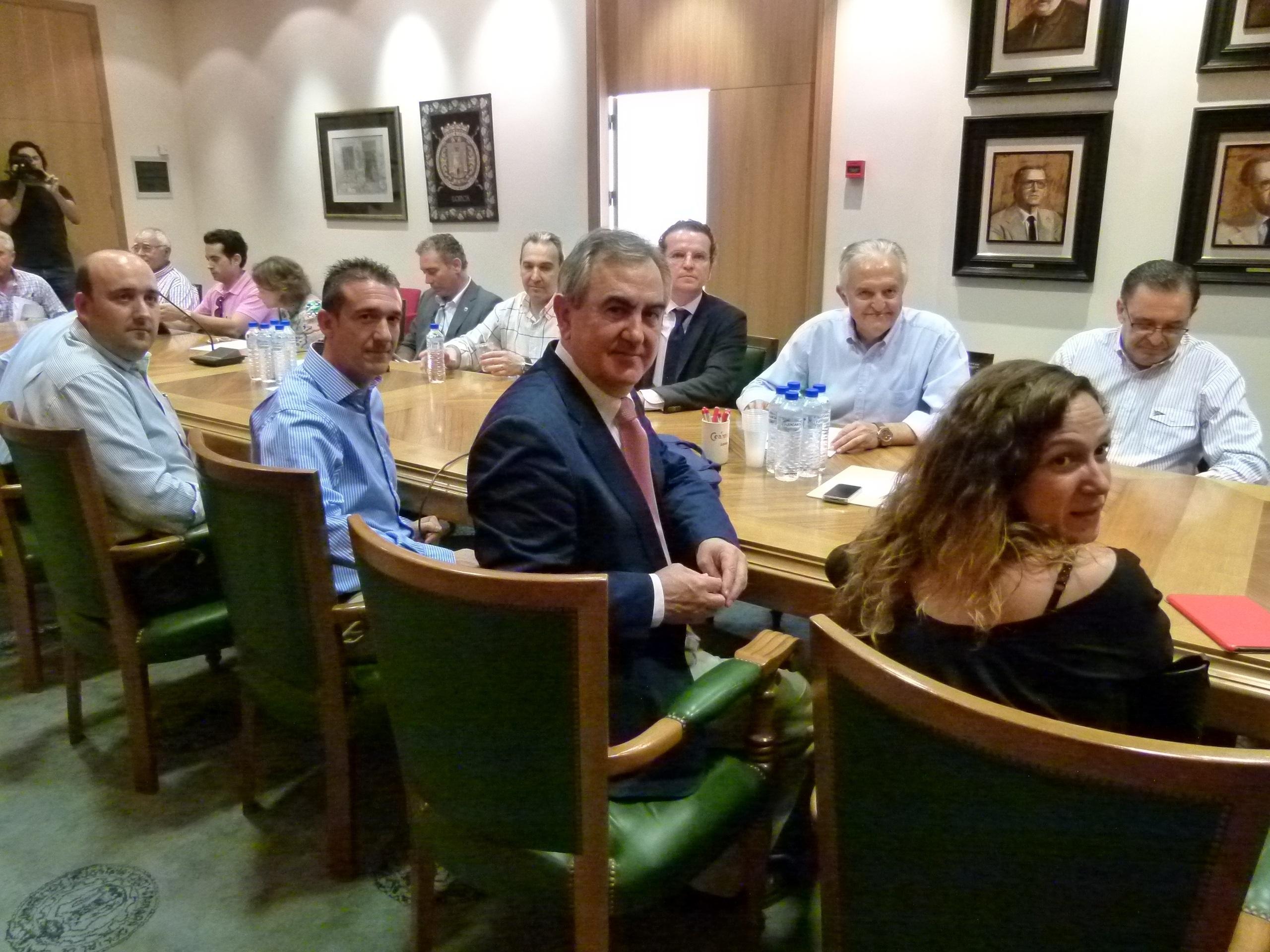 El PSOE considera que el Plan de Empleo Joven del Gobierno regional «se queda corto»