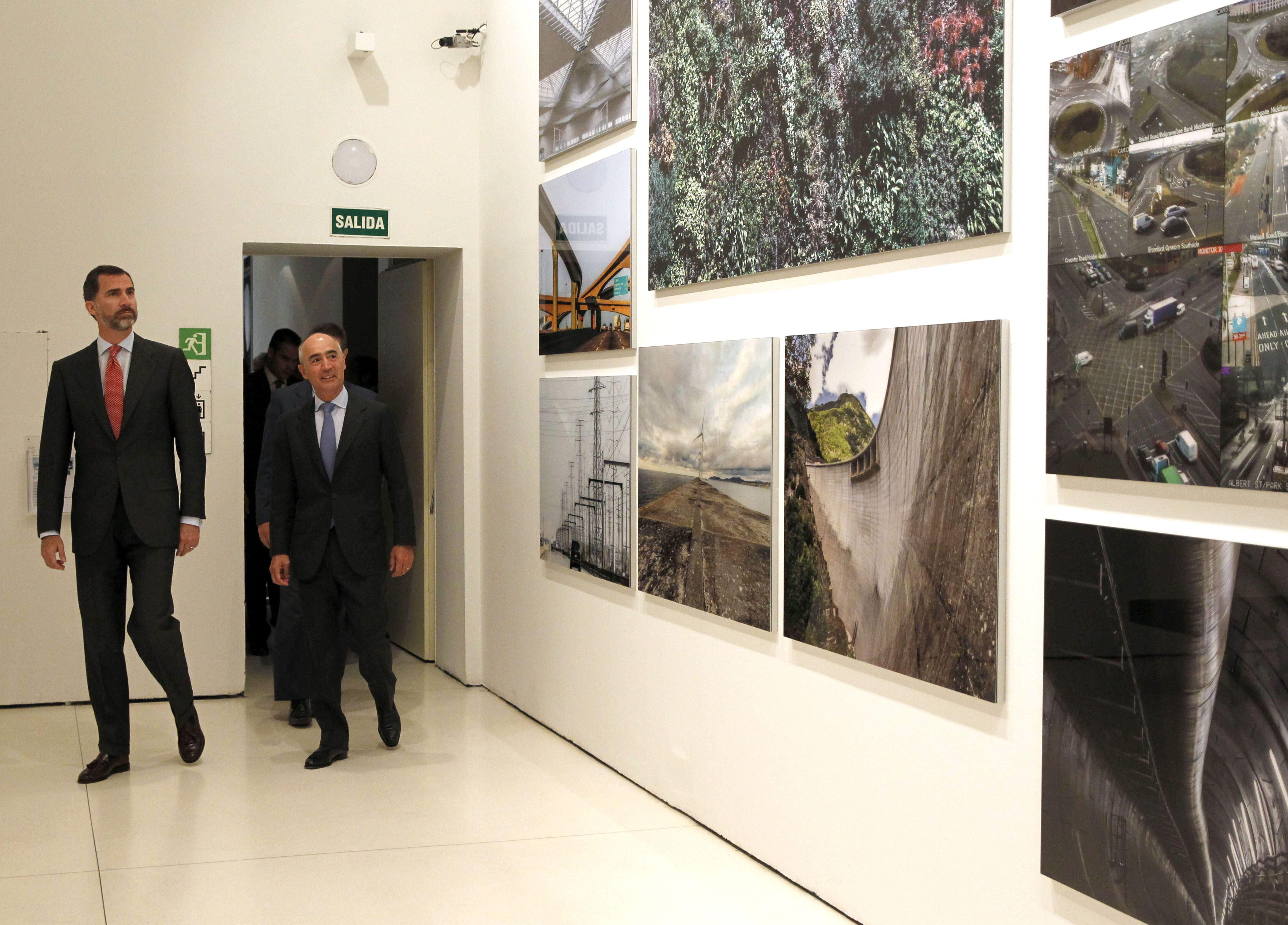 Un viaje fotográfico de José María Ballester por 60 años de infraestructuras