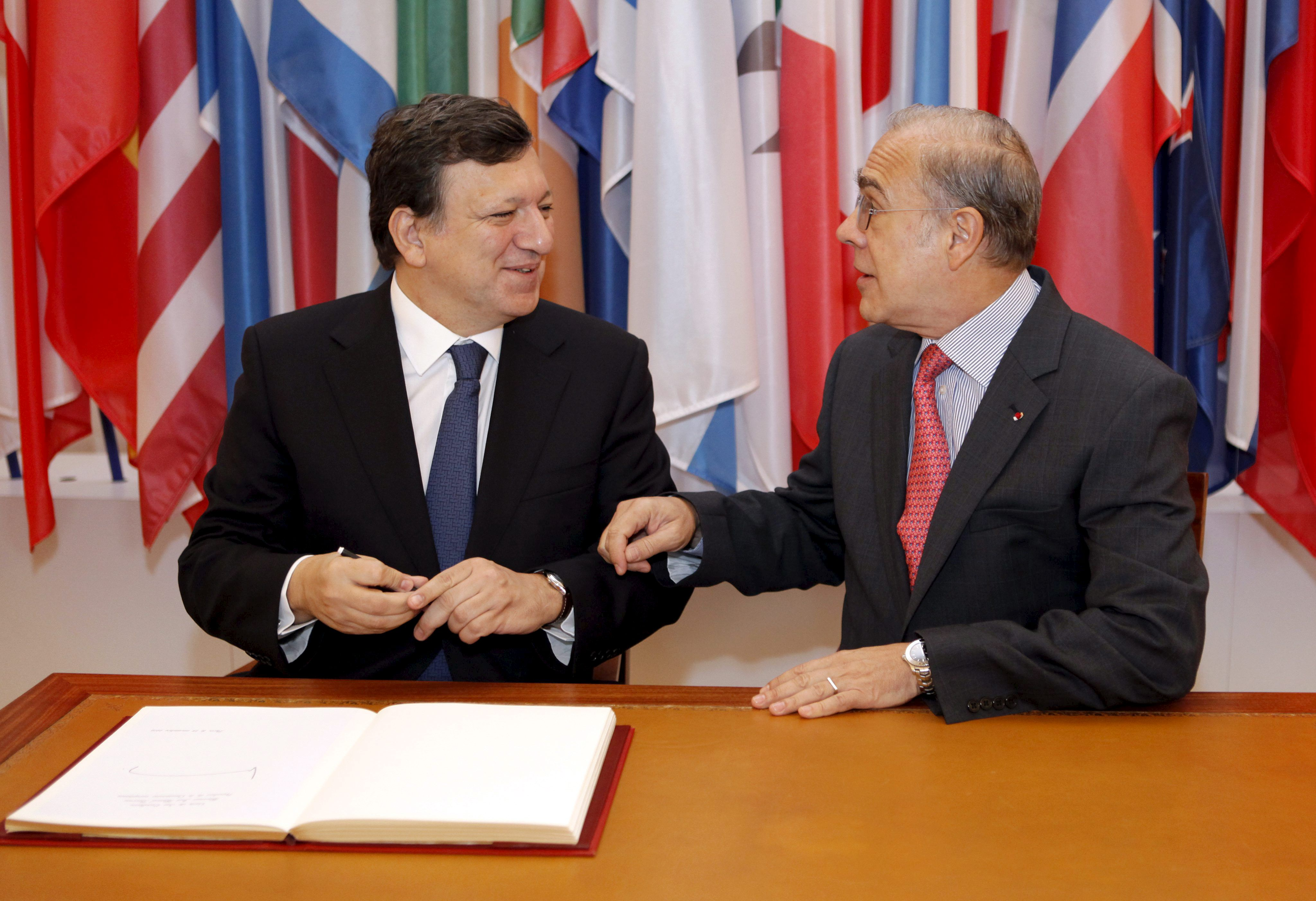 La CE y la OCDE reforzarán su cooperación en empleo juvenil y fraude fiscal