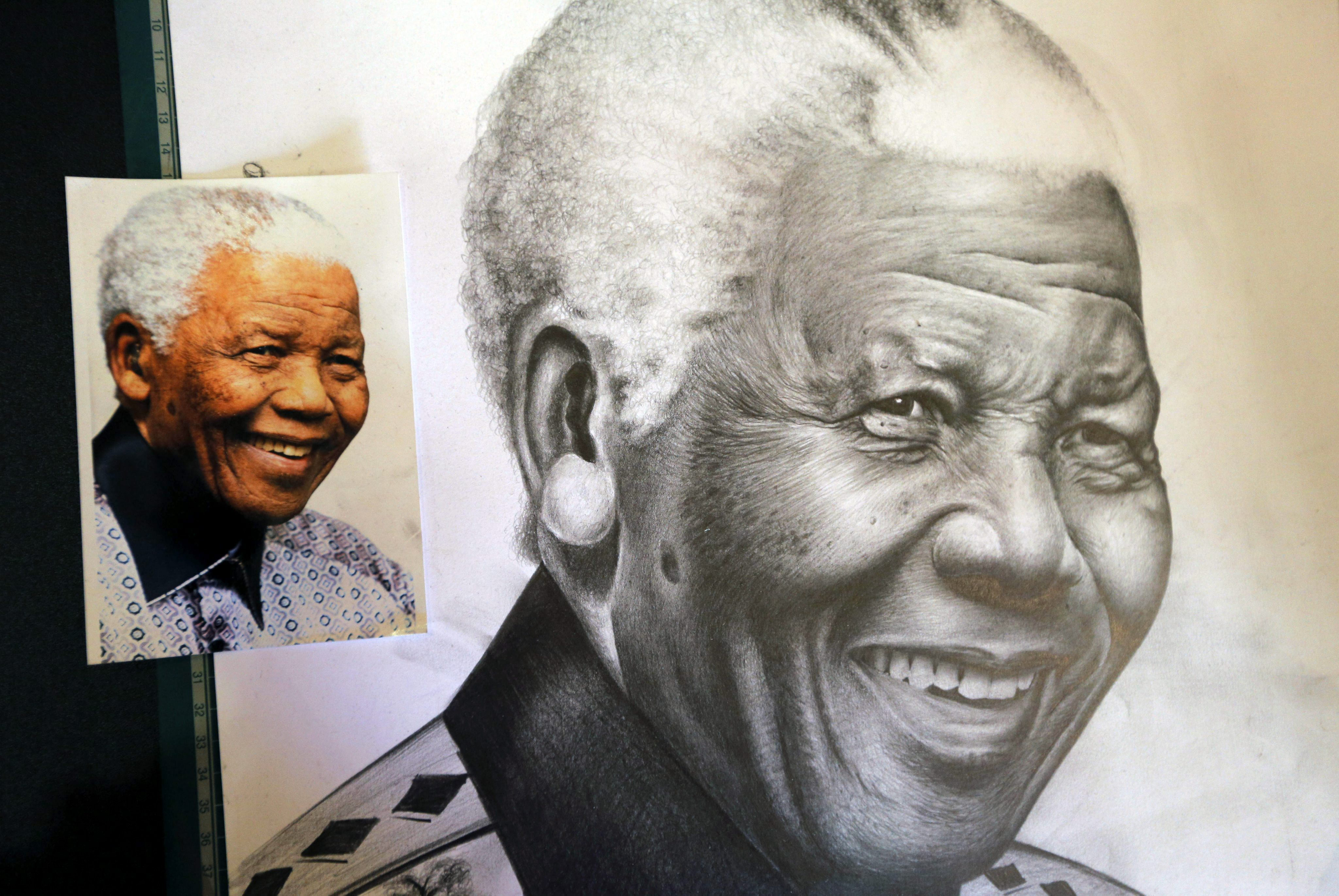 Mandela cumple seis días hospitalizado tras experimentar mejoría