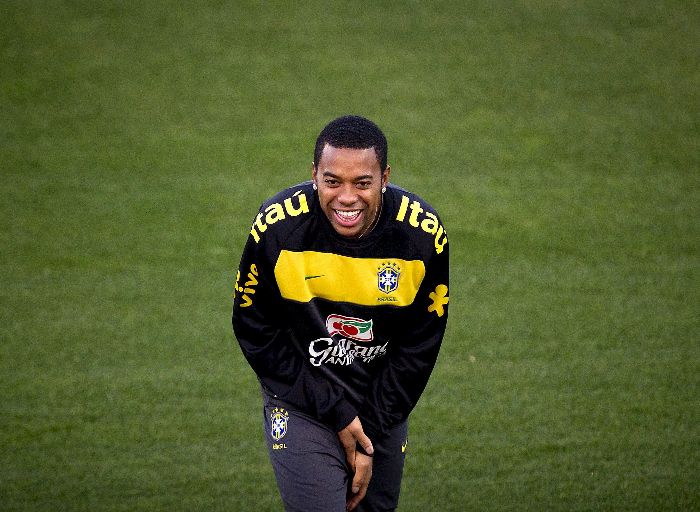 Robinho regresa al Santos por 16 millones