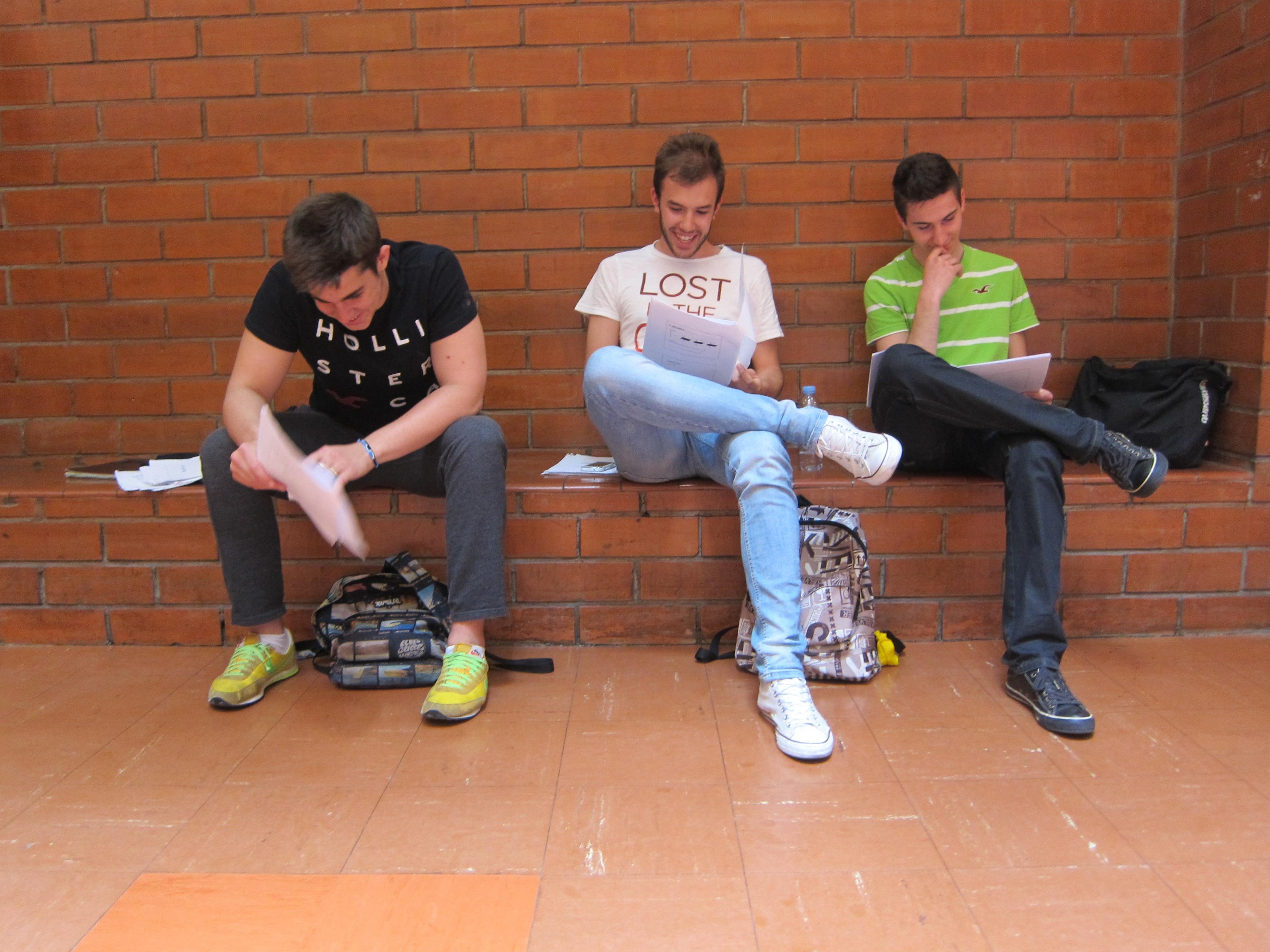 Un ejercico de matemáticas siembra la confusión en la Selectividad catalana