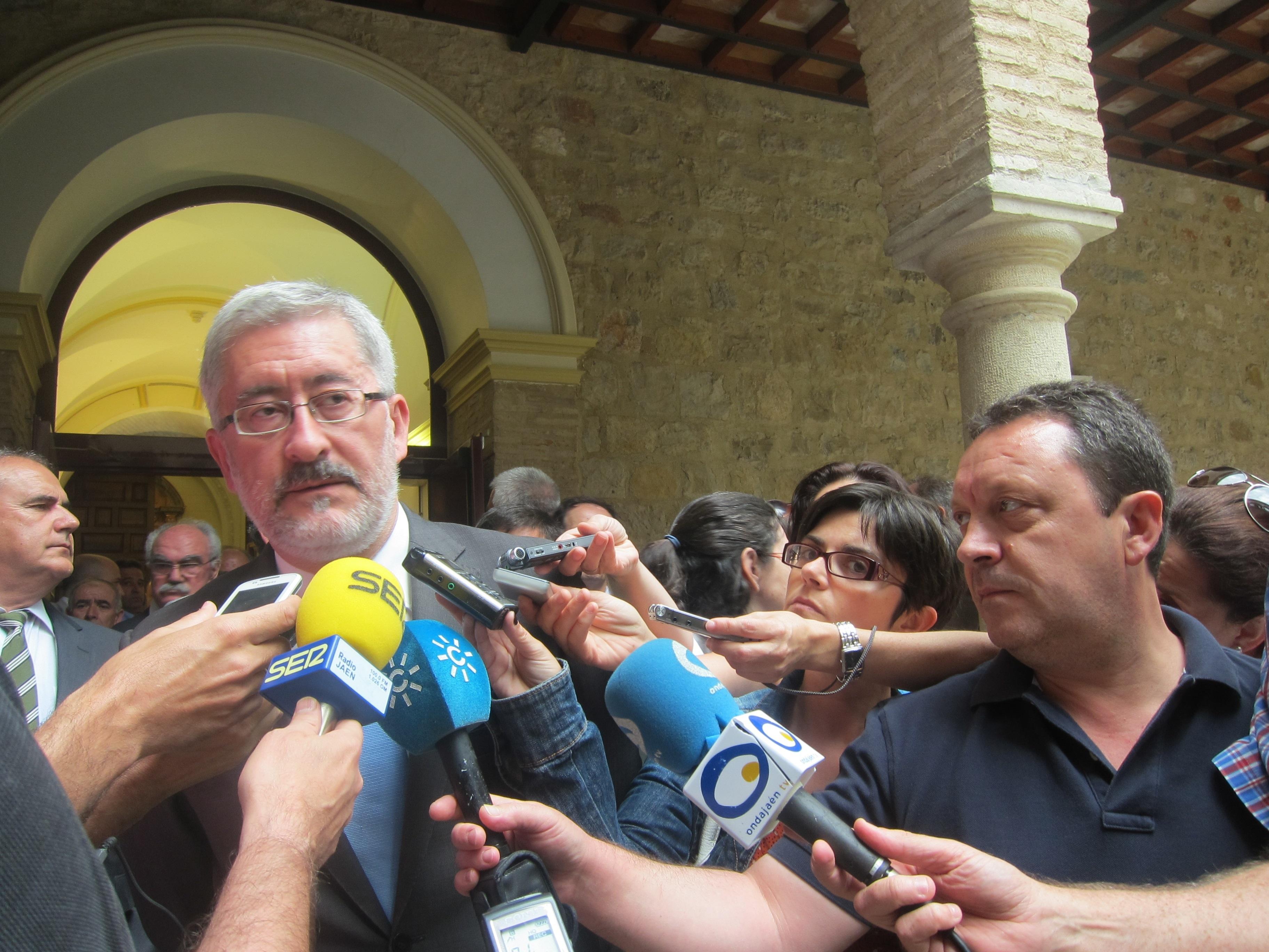 Ávila cree «en la honorabilidad y en el esfuerzo» del exconsejero Francisco Vallejo «por el bien de Andalucía»