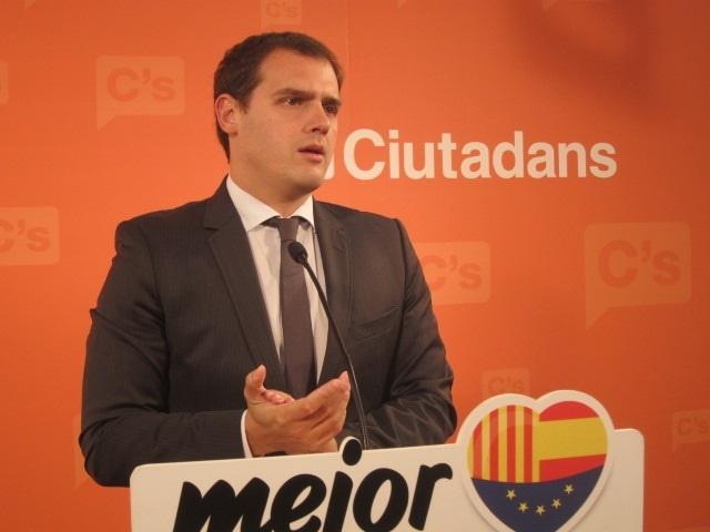C»s exhorta a la oposición a aprobar esta semana la comparecencia de Mas en el Parlament