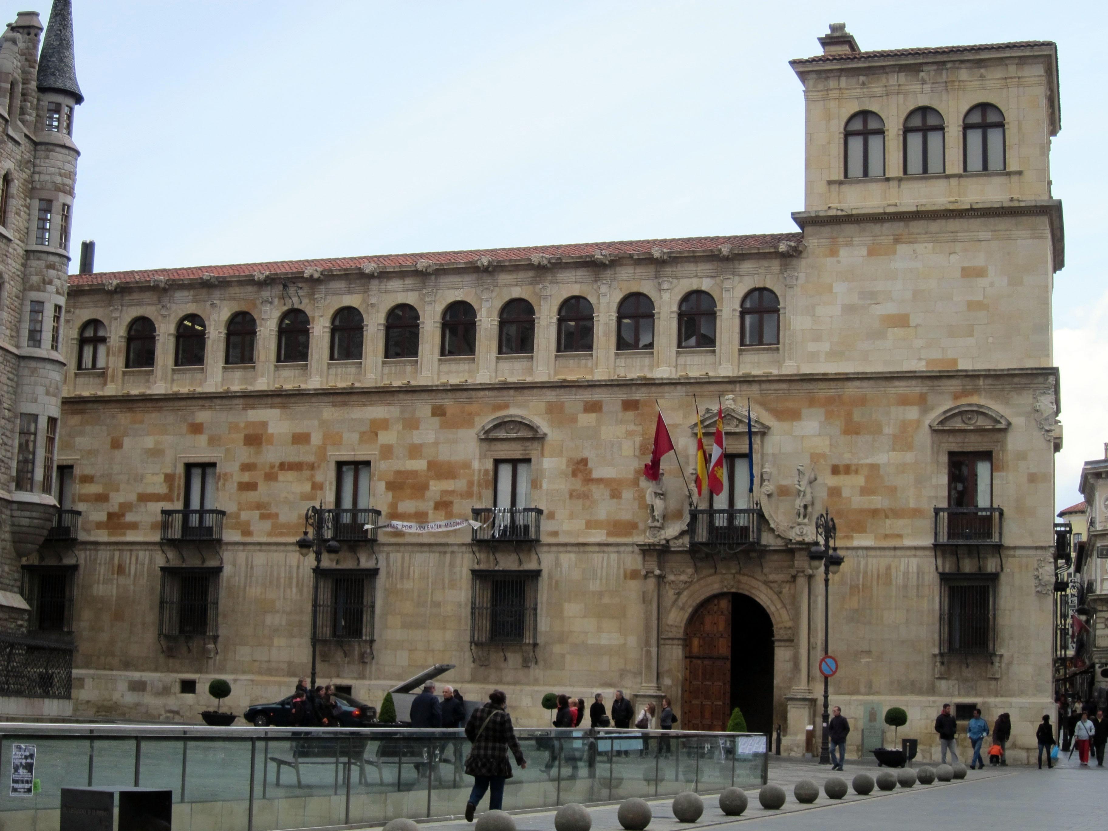 La Diputación de León ayuda a 19 ayuntamientos a financiar la apertura de Oficinas de Información Turística este verano