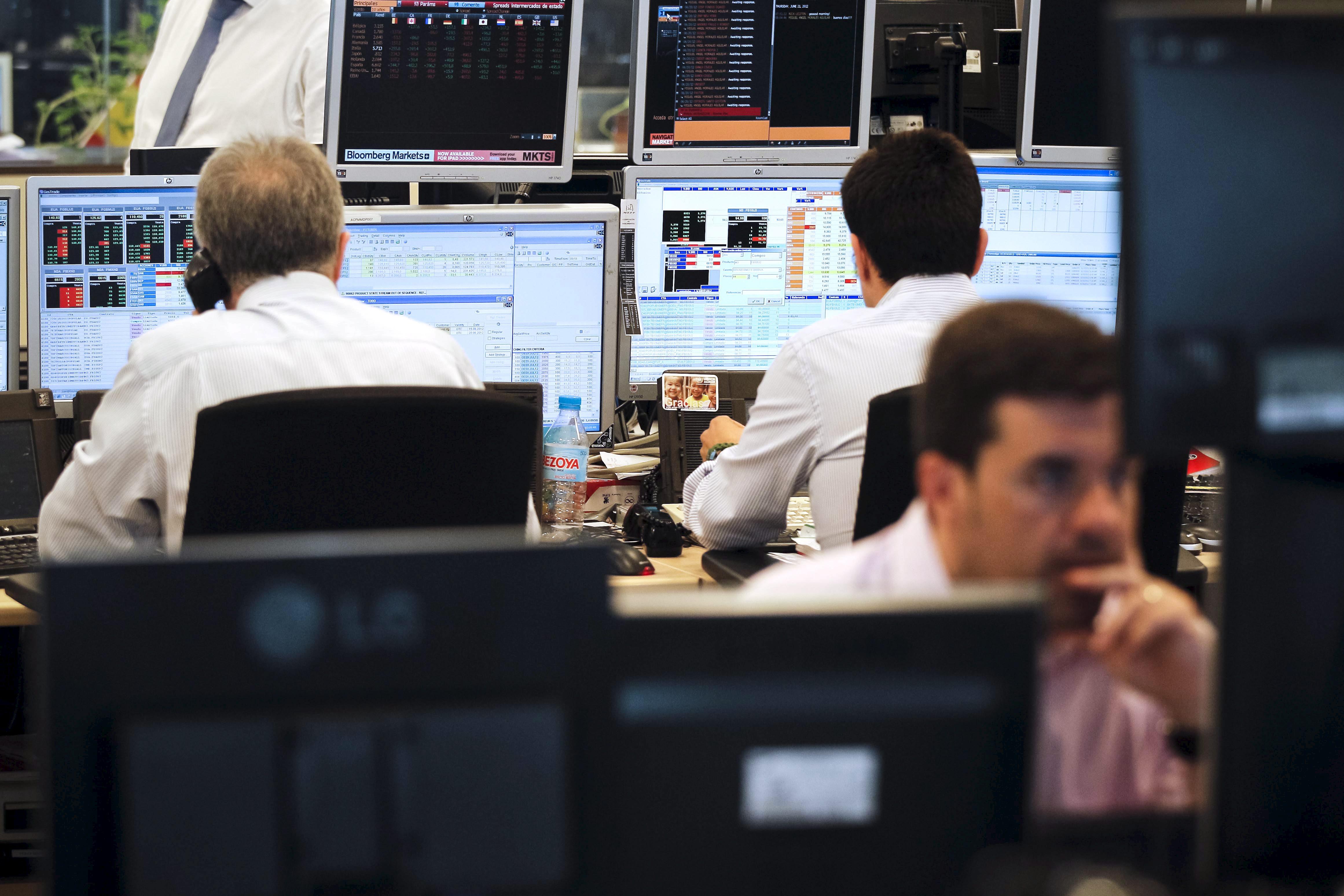 España espera captar esta semana 9.000 millones de euros en letras y bonos