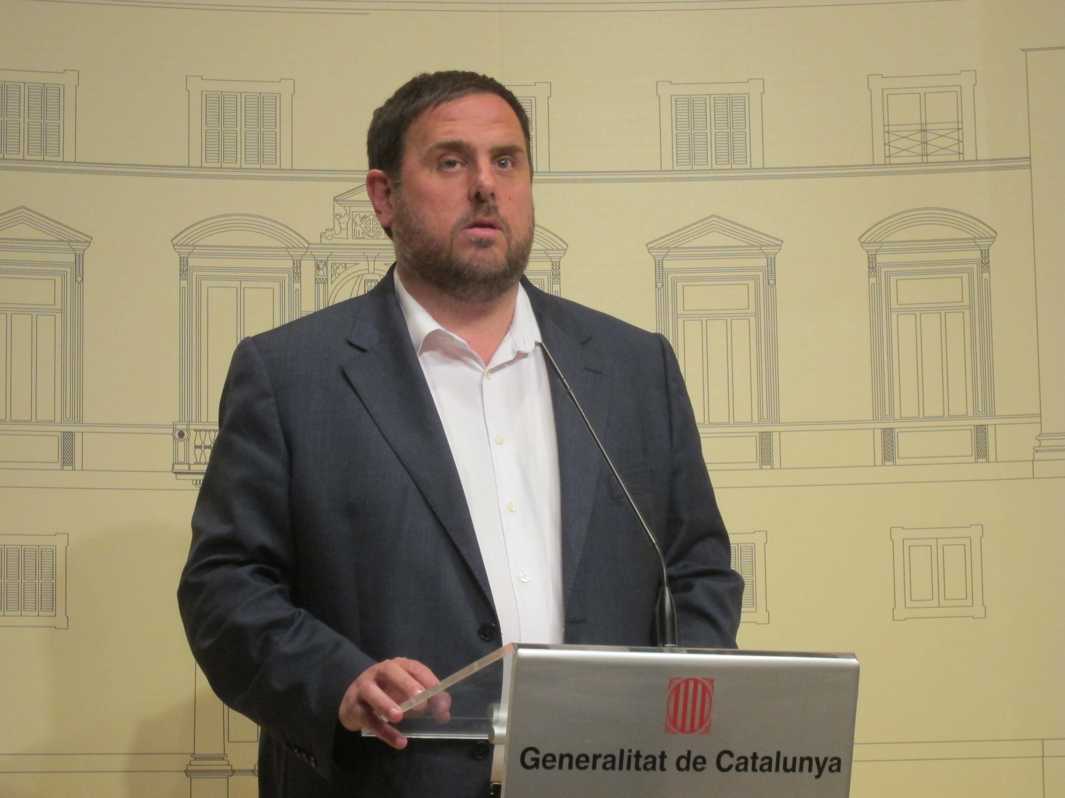 Junqueras confía en que Mas convocará la consulta en 2014 y niega haber amenazado a Duran