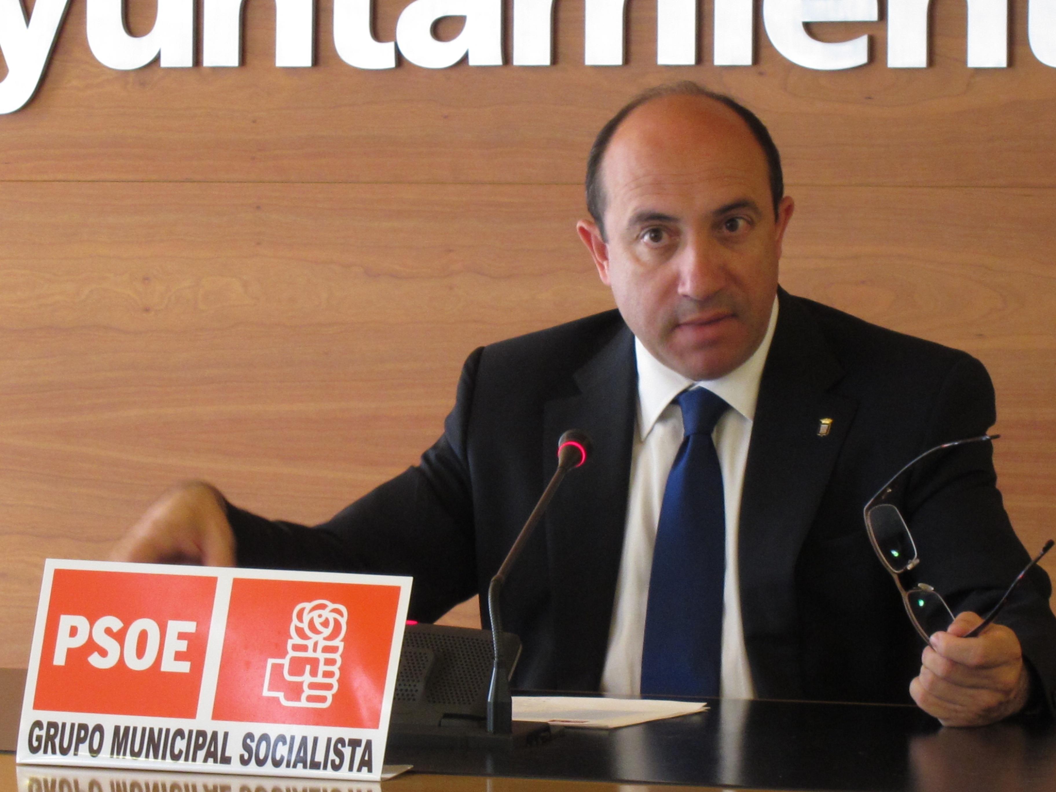 El PSOE plantea mantener la bonificación del IBI a comercios en 2014 y 2015 y aumentarla del 20% al 40%