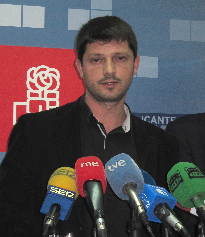 El PSPV afirma que «ahora hay que trabajar» para que el AVE en Alicante sea un servicio «al que tenga acceso la mayoría»