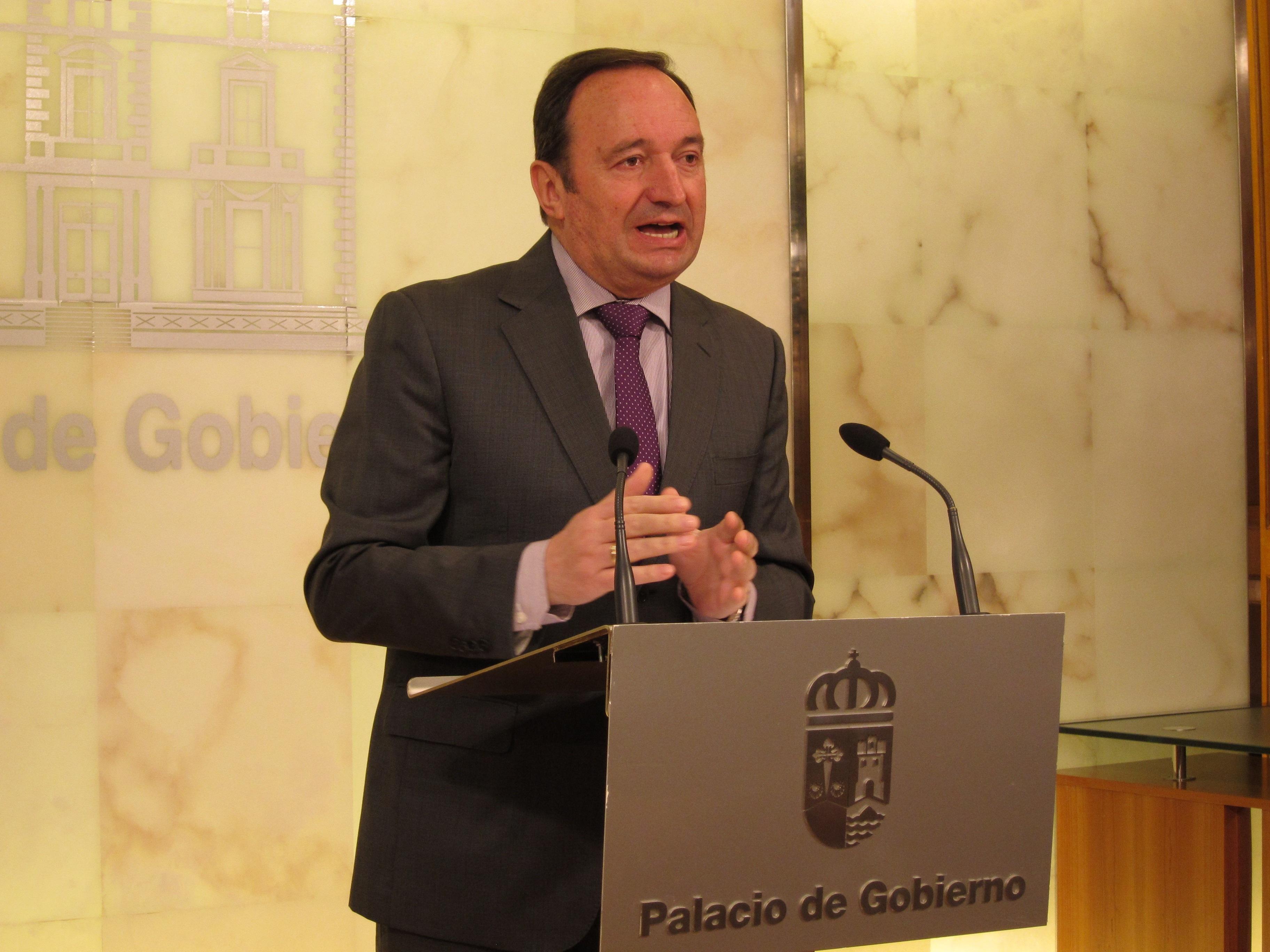 Sanz califica de «razonables» los datos de la encuesta en la que el PP conserva mayoría absoluta en La Rioja